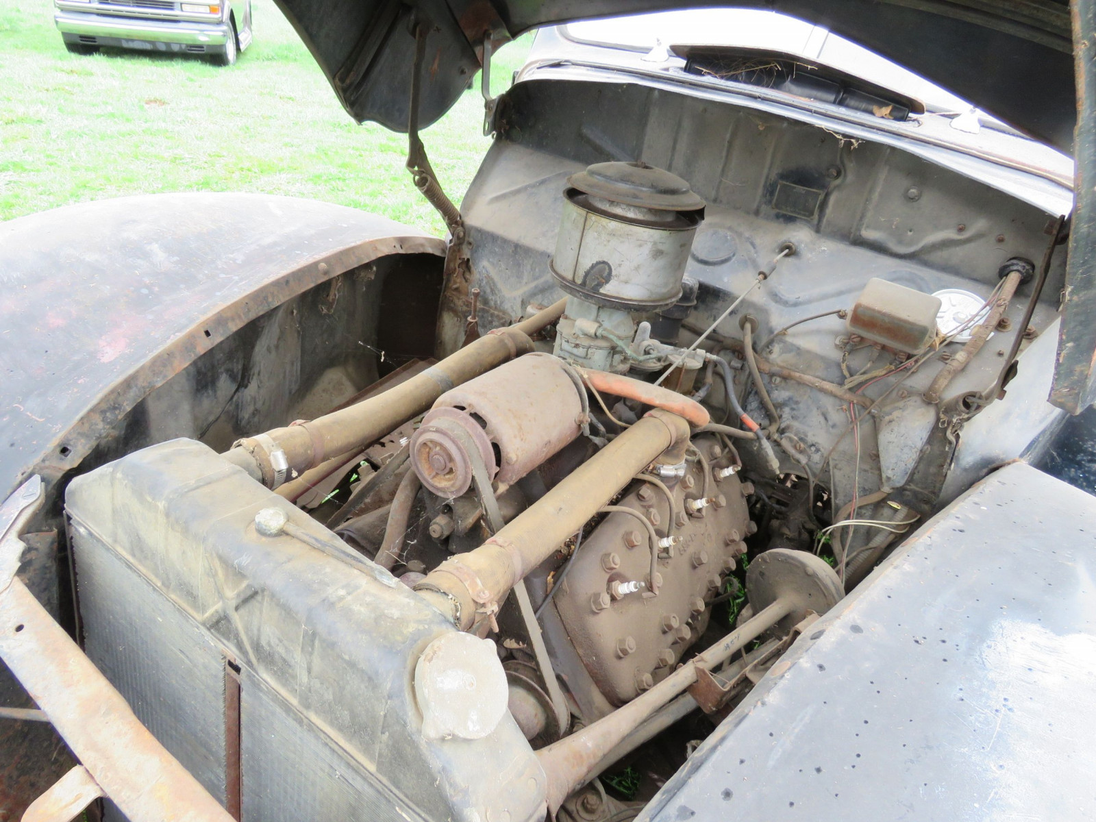 1940 Ford 2dr Sedan for Rod or Restore - Image 9