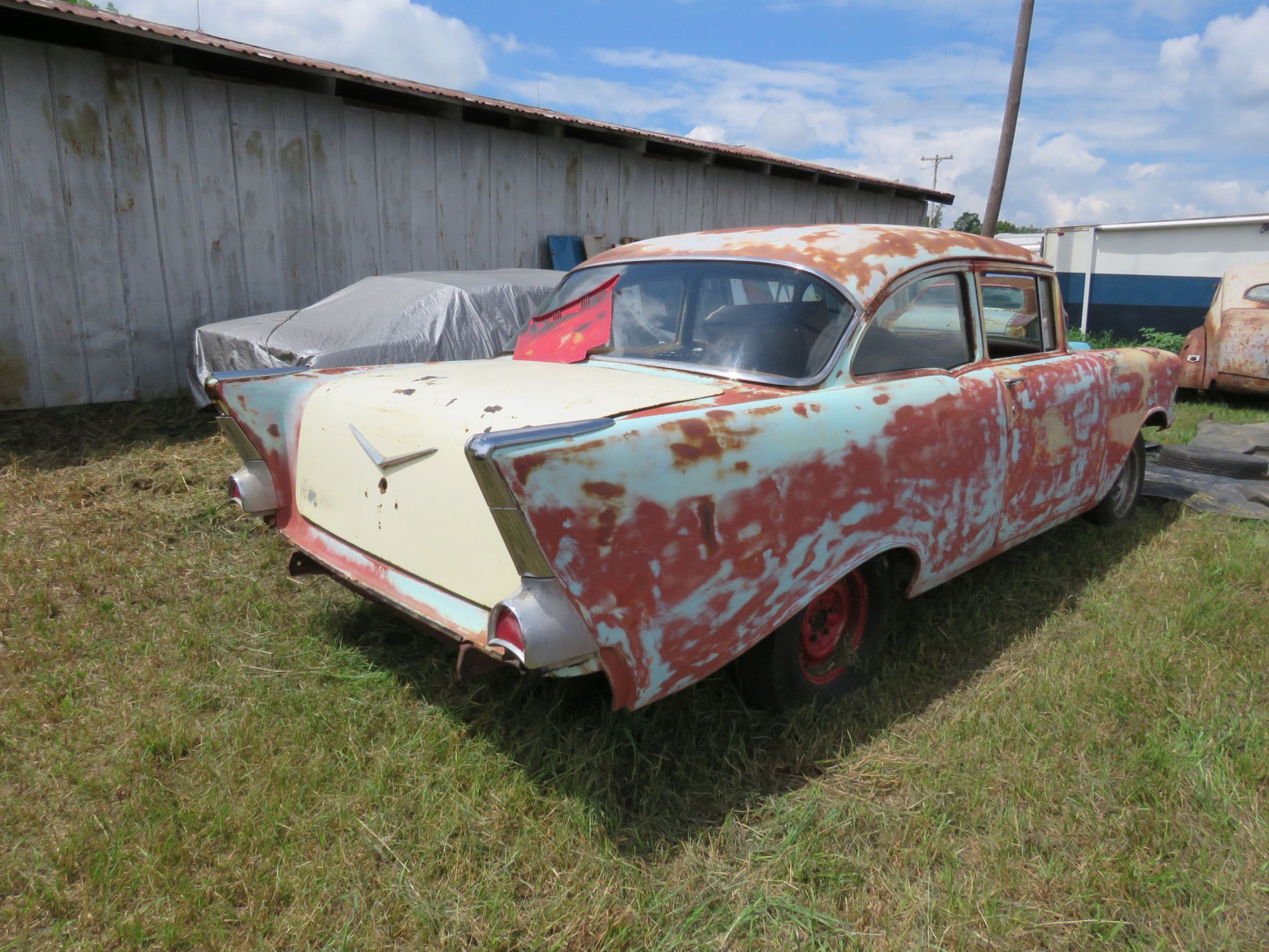 1957 Chevrolet 2dr Sedan for Rod or Restore - Image 4