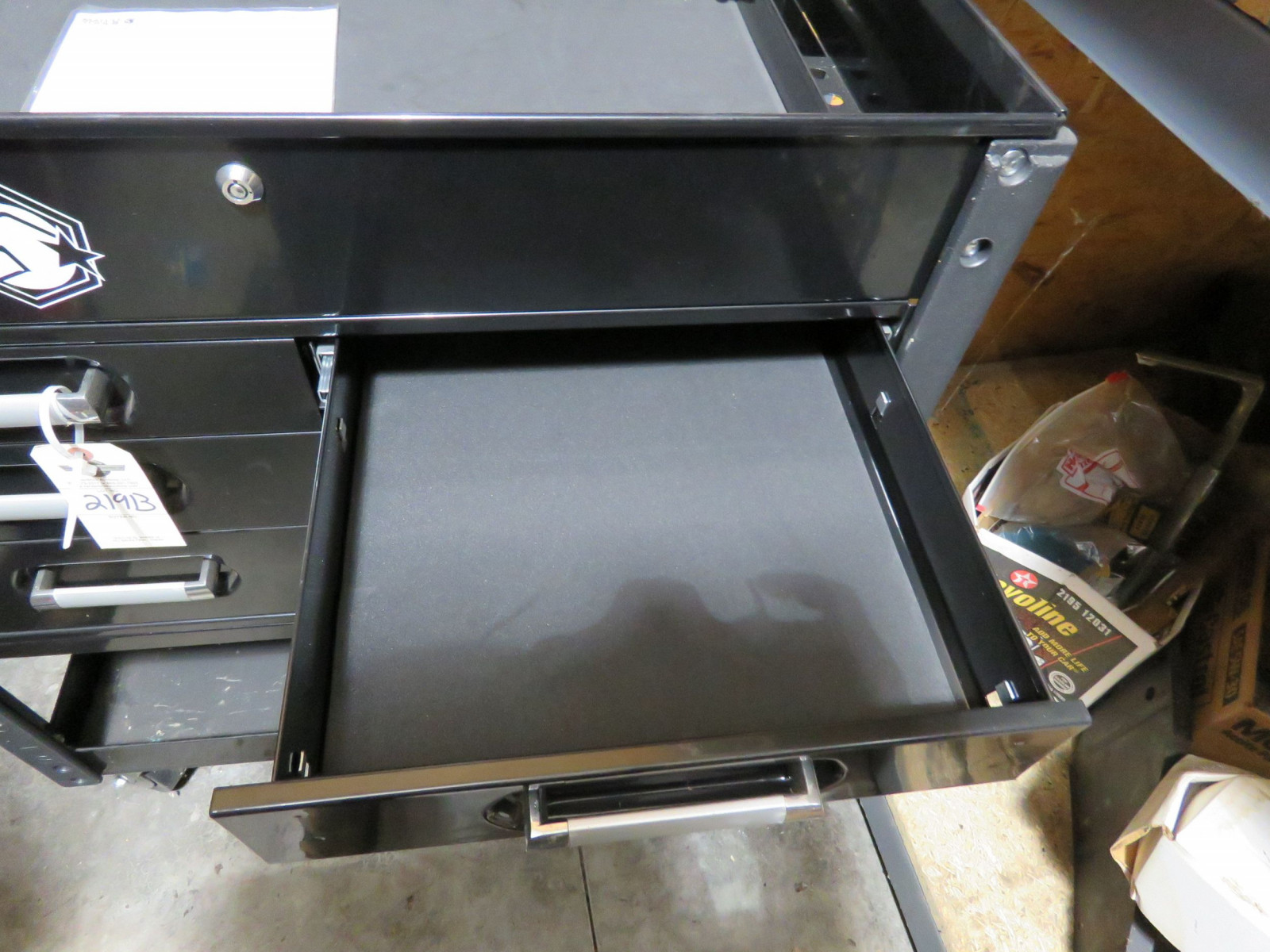 Matco NEW Tool Box. Top Compartment with locking Drawer - Image 3