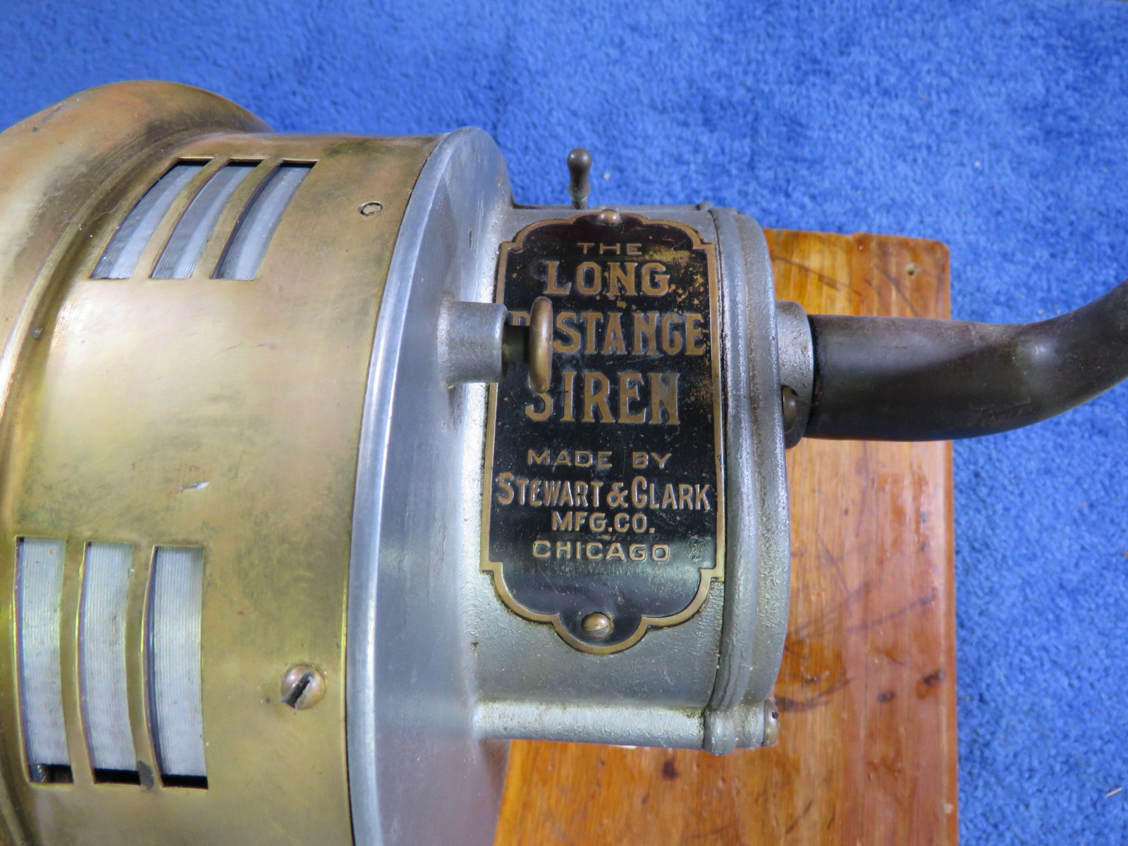 The Long Distance Siren Hand Crank Siren - Image 3