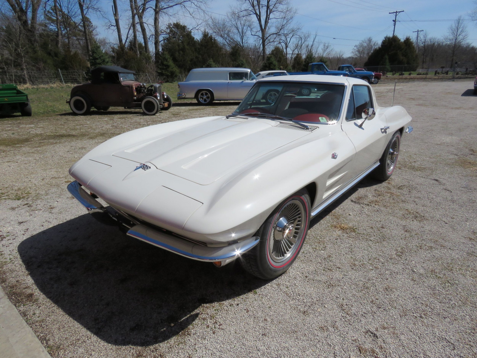 Beautiful 1964 Chevrolet Corvette Sting Ray Coupe - Image 1