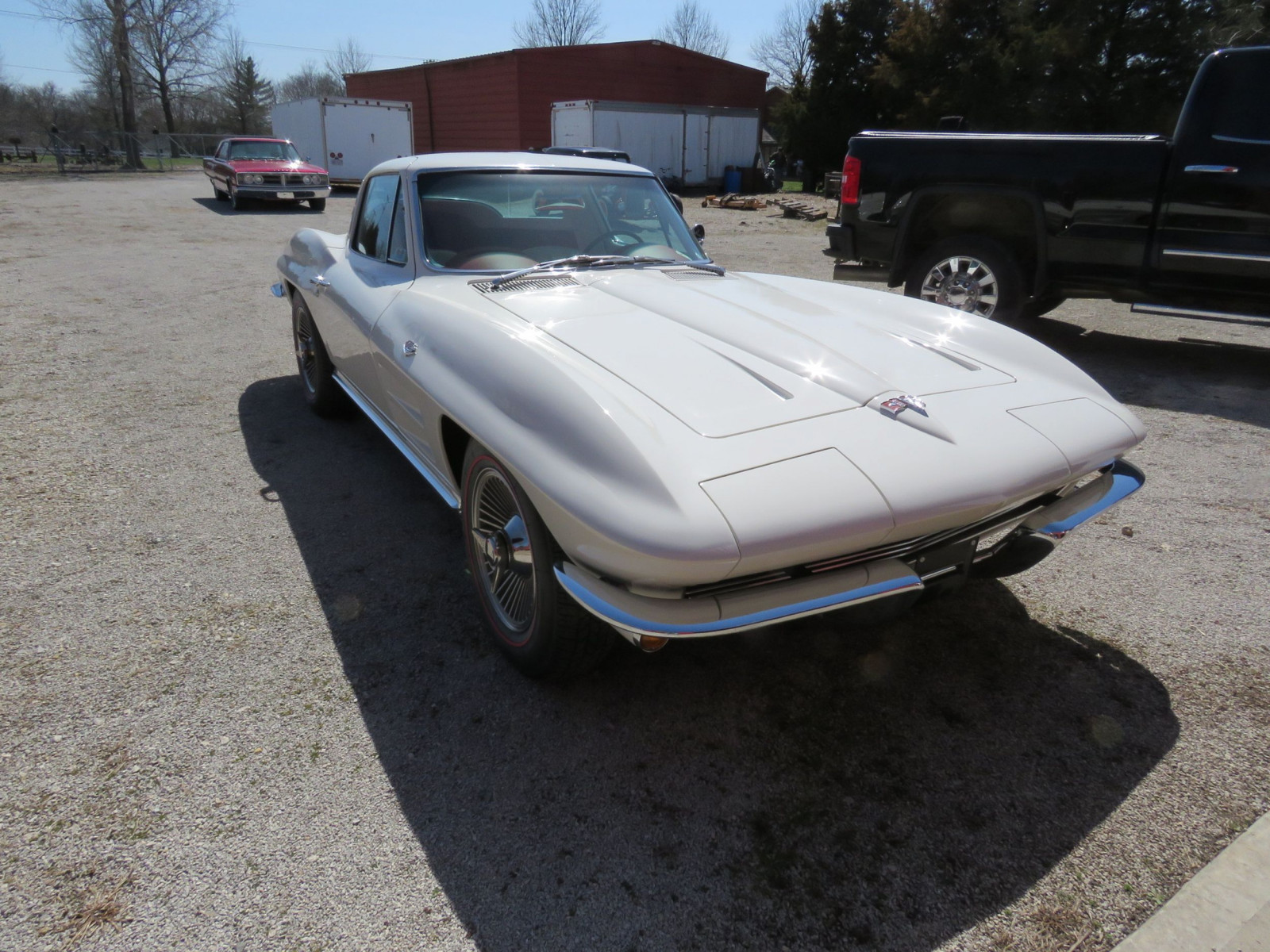 Beautiful 1964 Chevrolet Corvette Sting Ray Coupe - Image 3