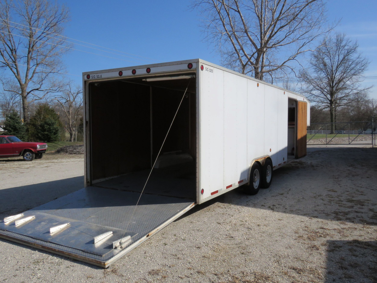 1994 S&S Welding Enclosed Trailer - Image 3