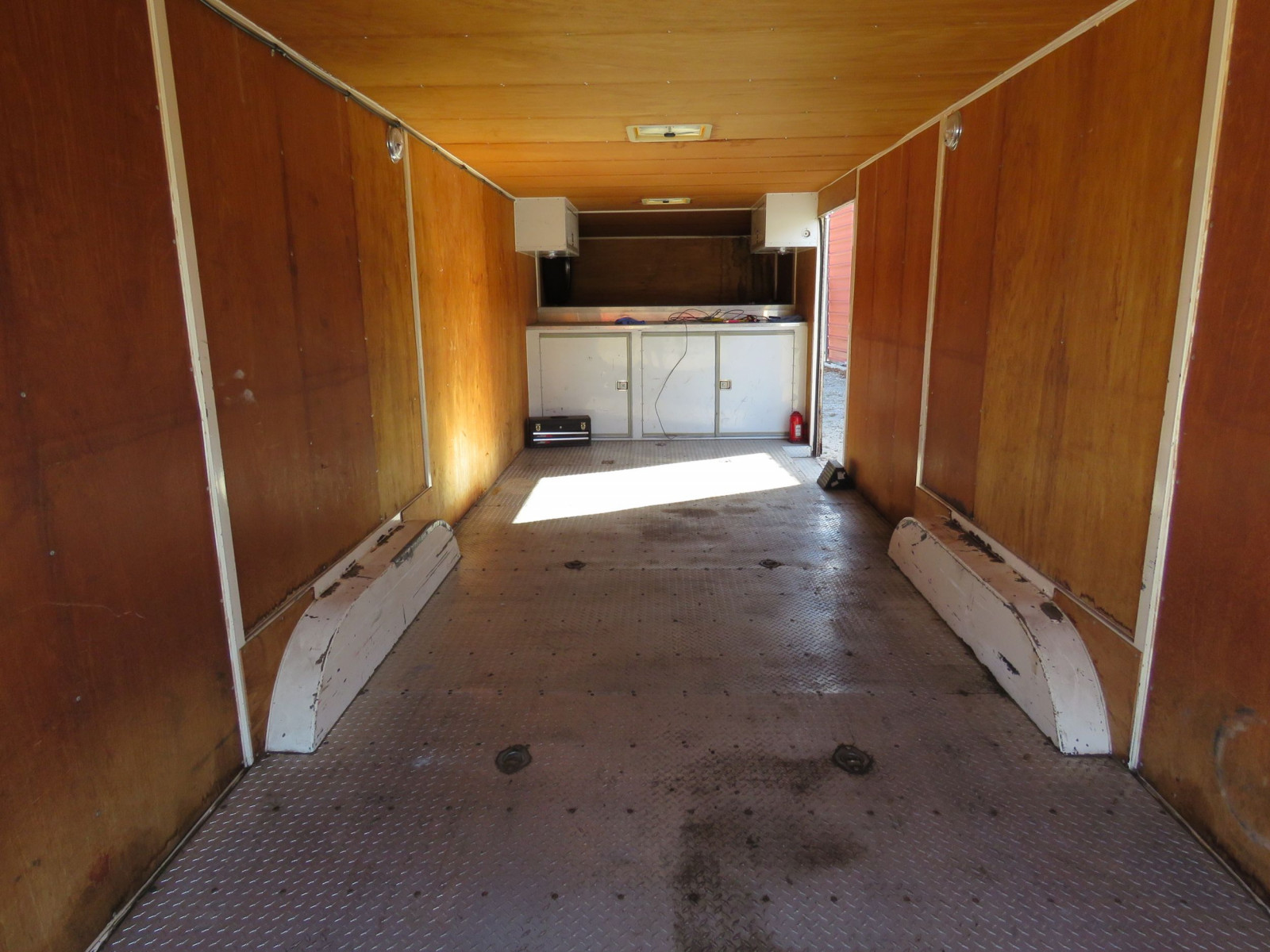 1994 S&S Welding Enclosed Trailer - Image 5
