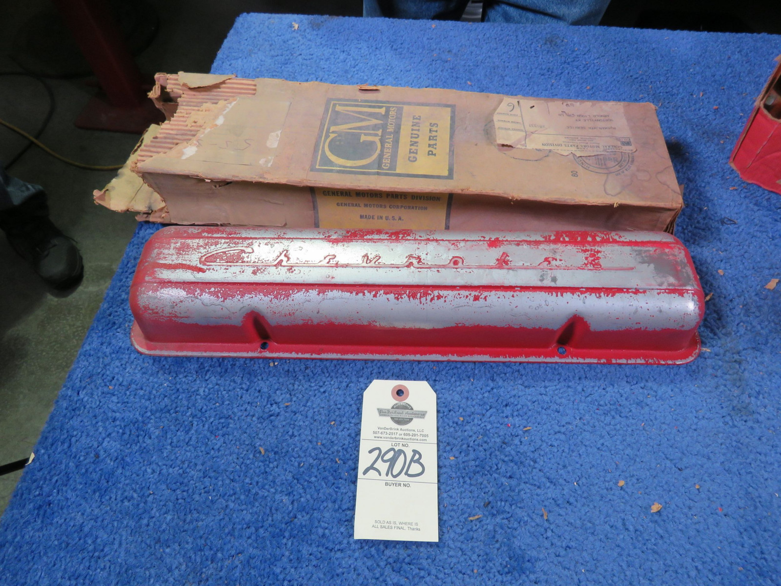 NOS 265 Chevrolet Valve Covers - Image 1