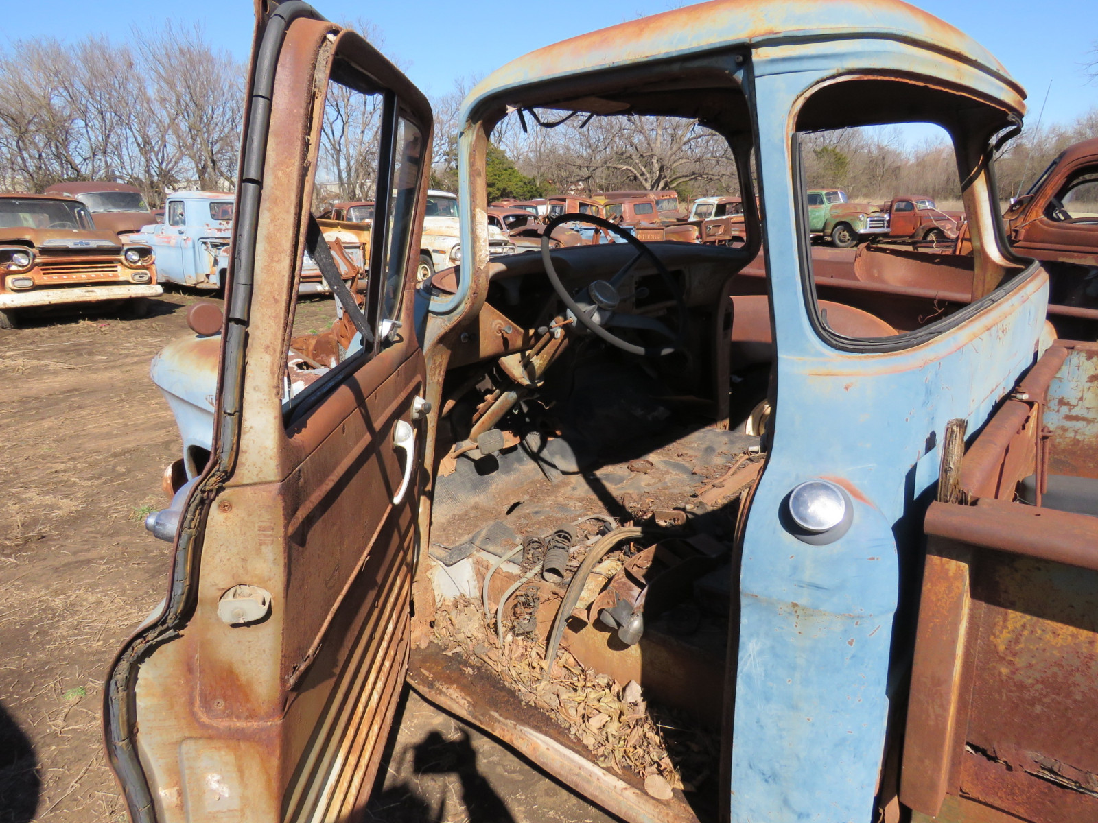 1955/6 Chevrolet Pickup for Parts - Image 5