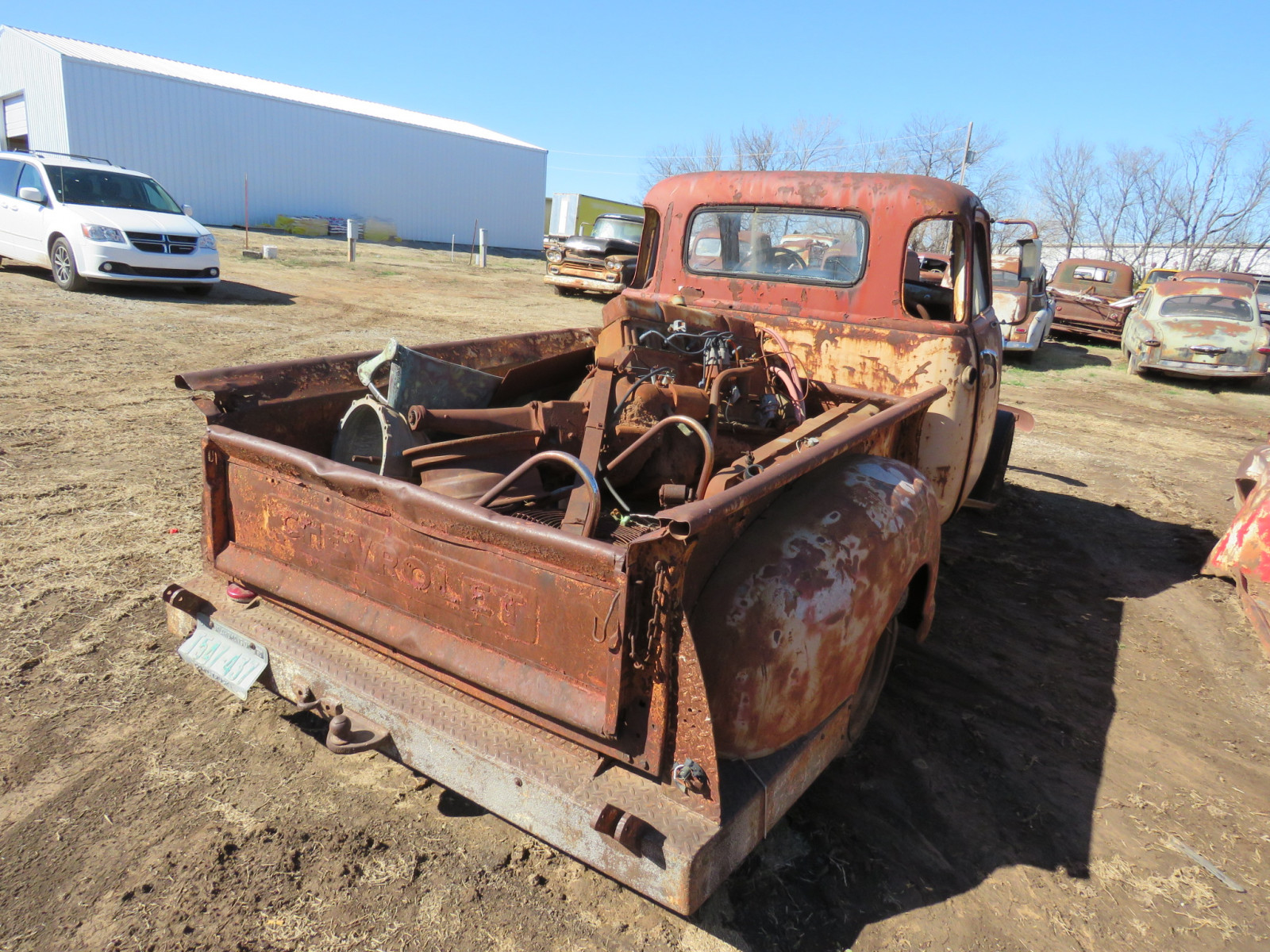 1940's Chevrolet 5 window Cab for parts - Image 4