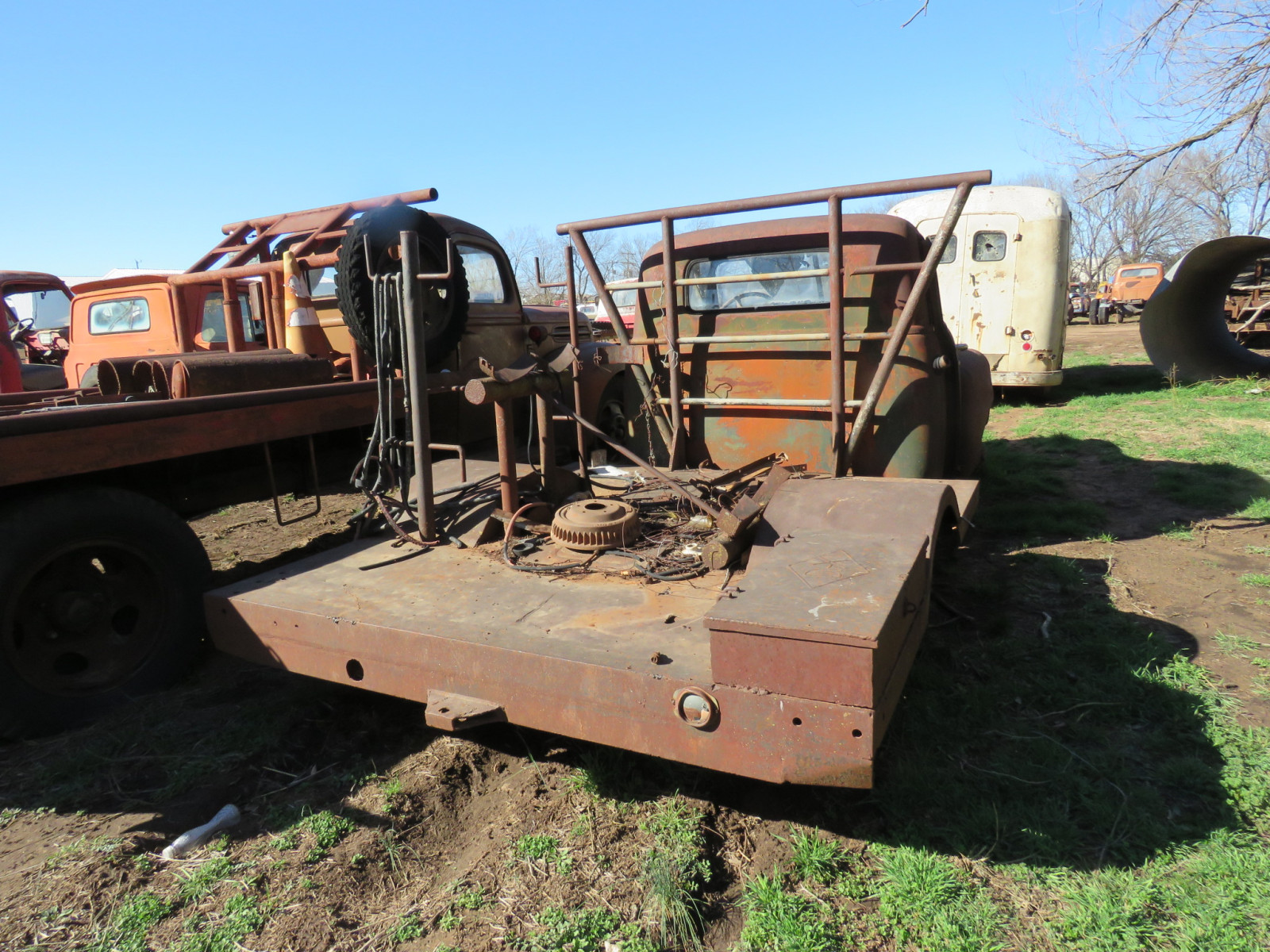 Chevrolet Truck for project or parts - Image 3