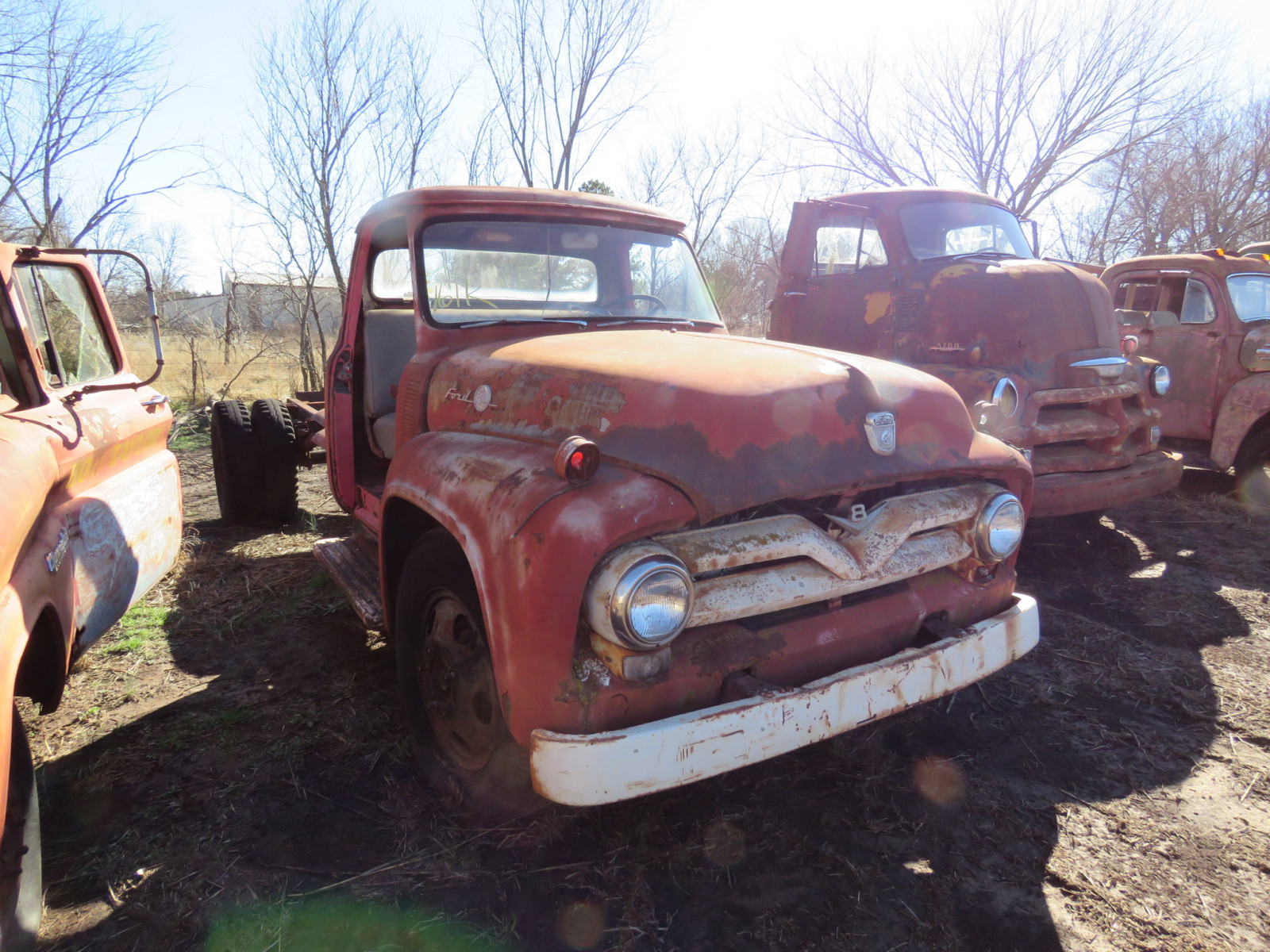 Ford F600 Truck - Image 1