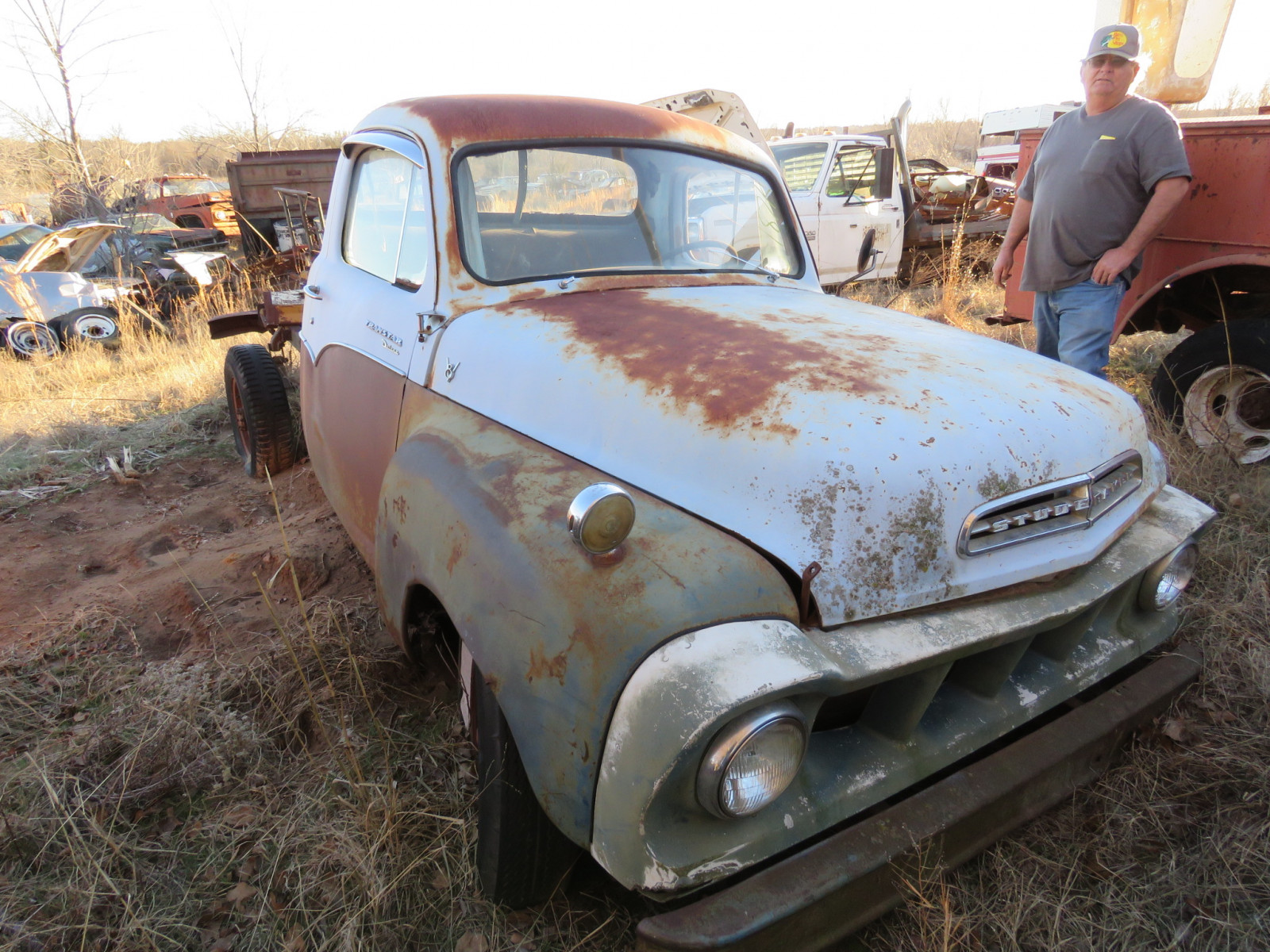 Chevrolet Pickup - Image 1