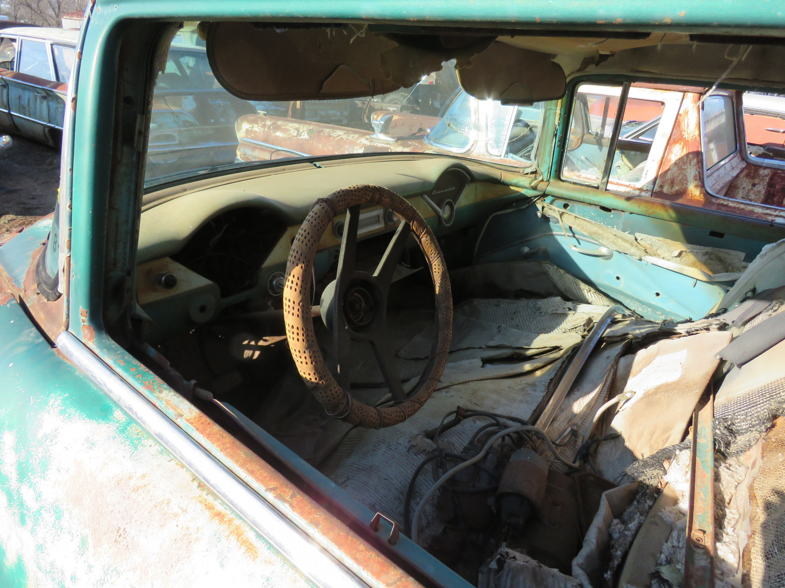 1955 Chevrolet 4dr Sedan for parts - Image 5