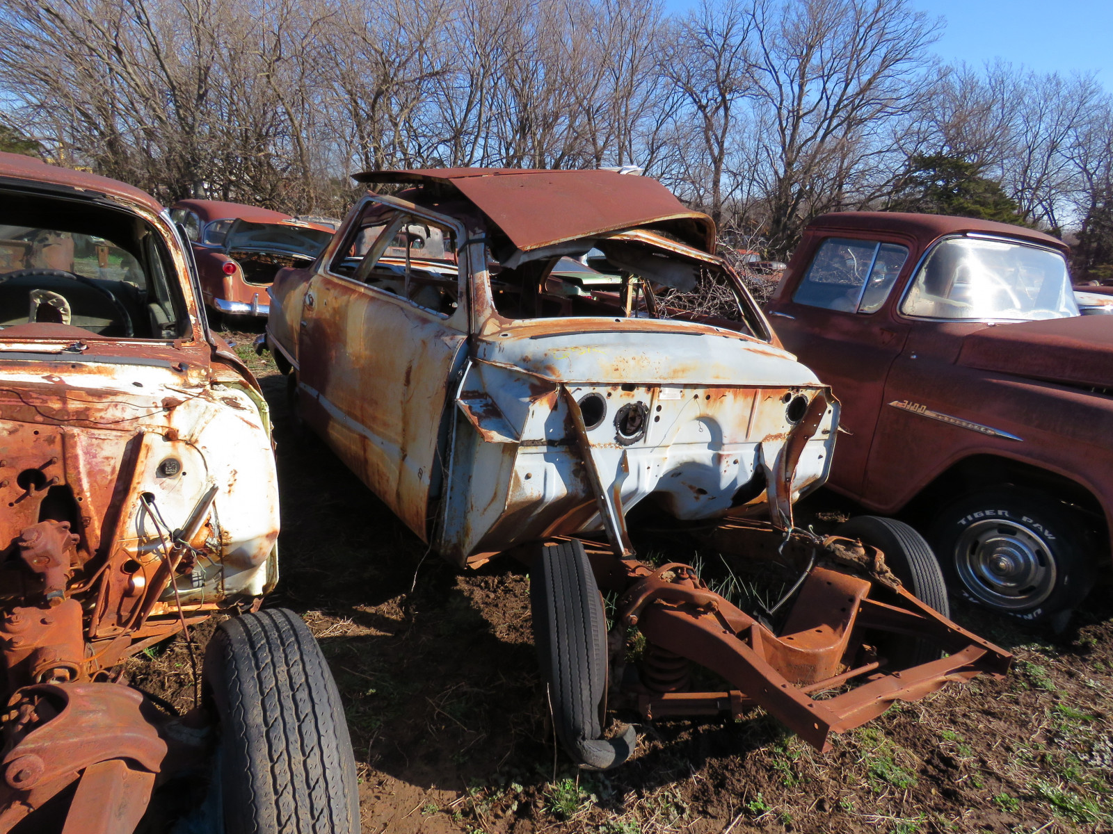 1949/50 Ford Sedan for parts - Image 1