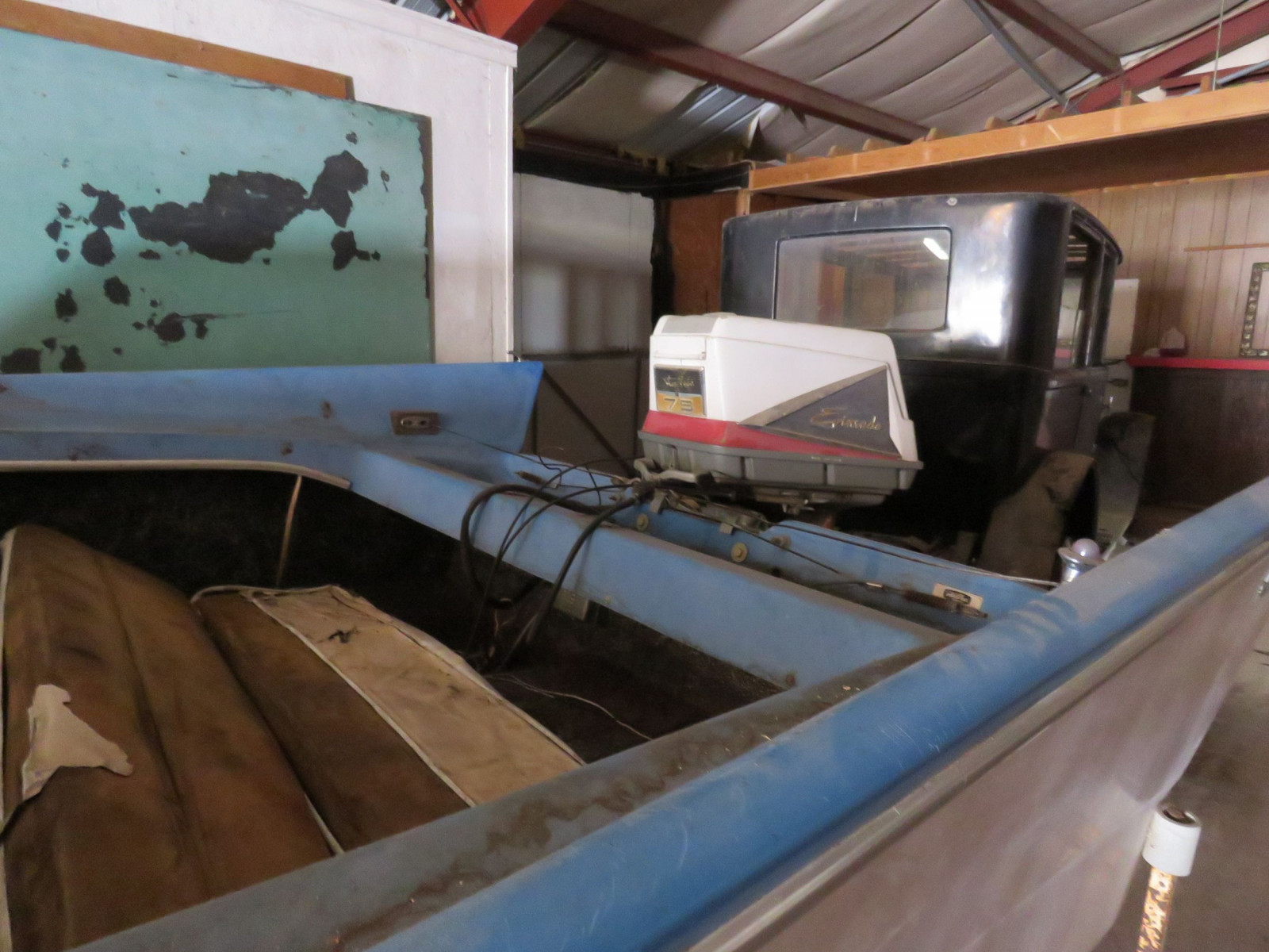 Vintage Power Cat Boat - Image 5