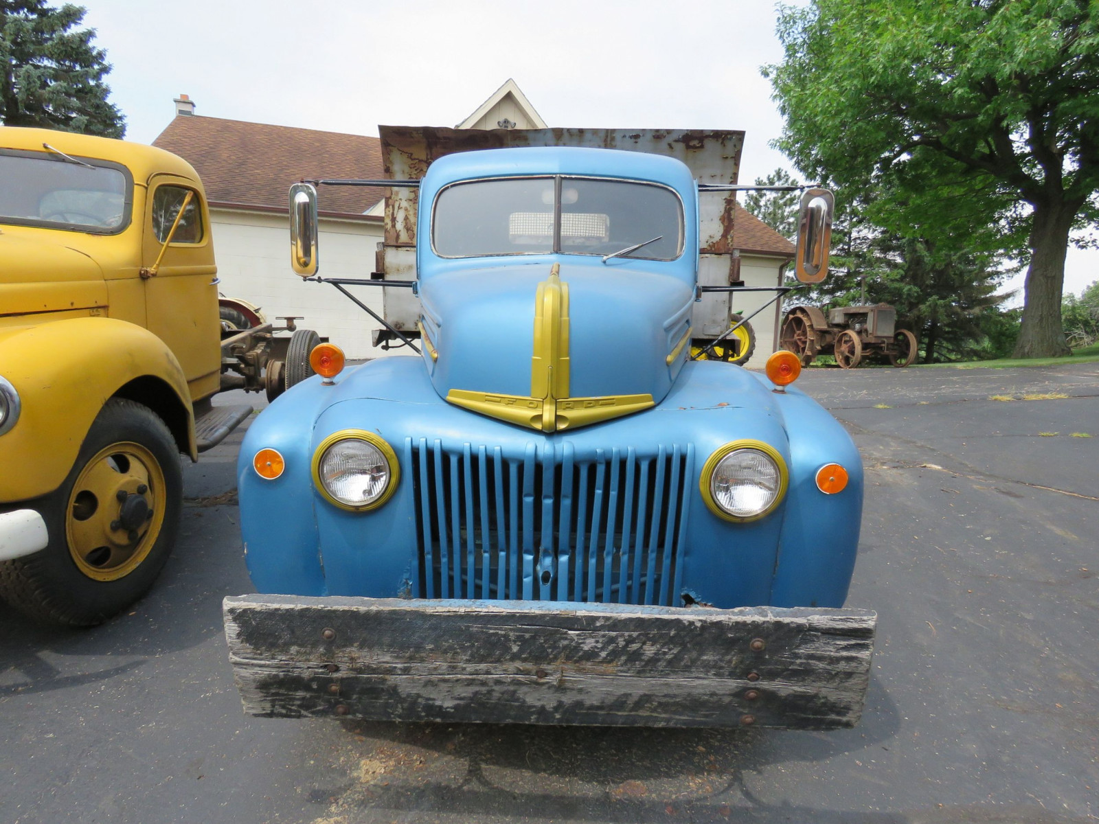 1946 Ford Dump Truck - Image 2