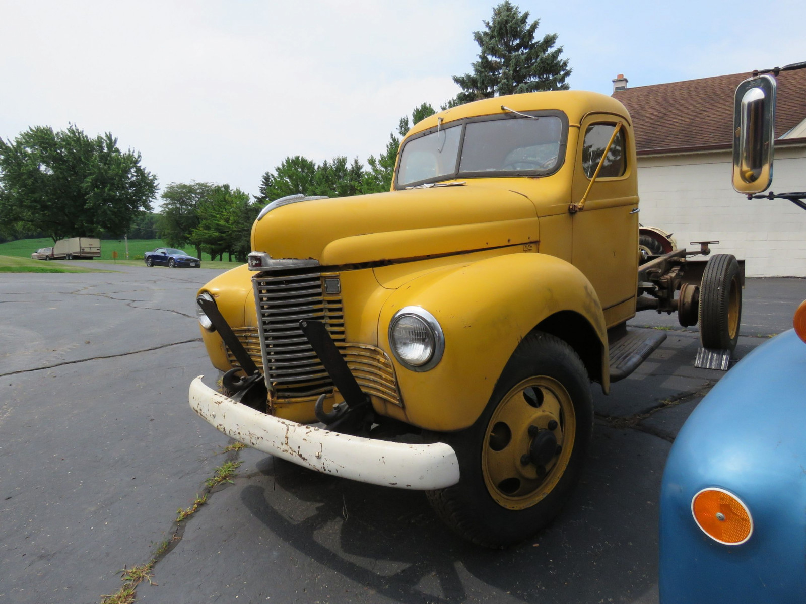 1941 International KB5 Truck - Image 2