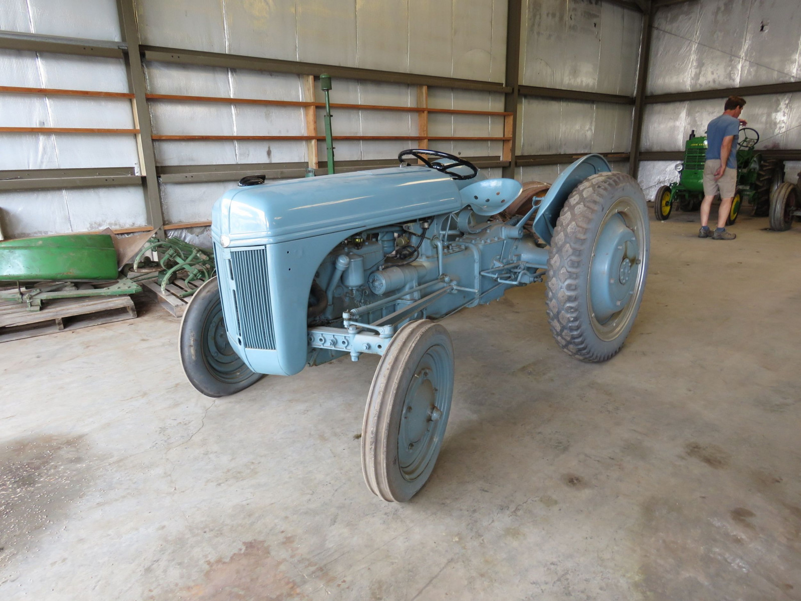 1940 Ford 9N Tractor - Image 1