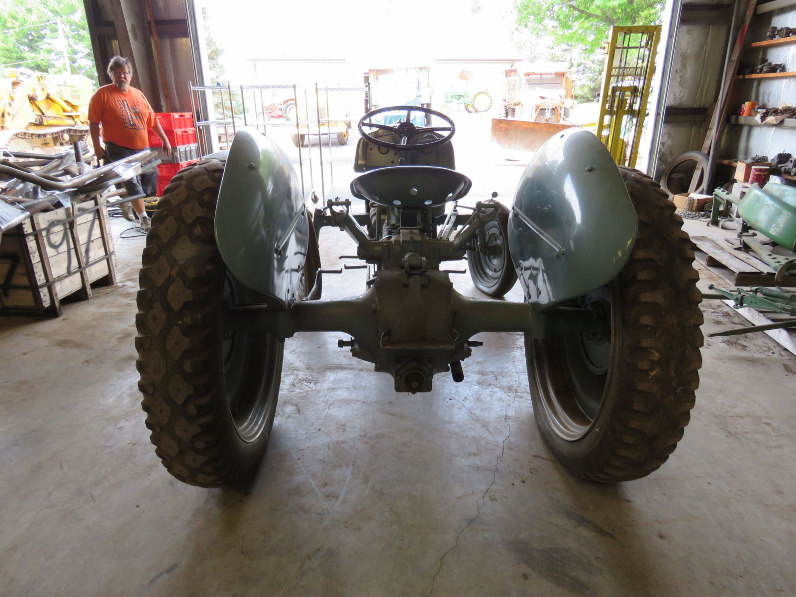 1940 Ford 9N Tractor - Image 4