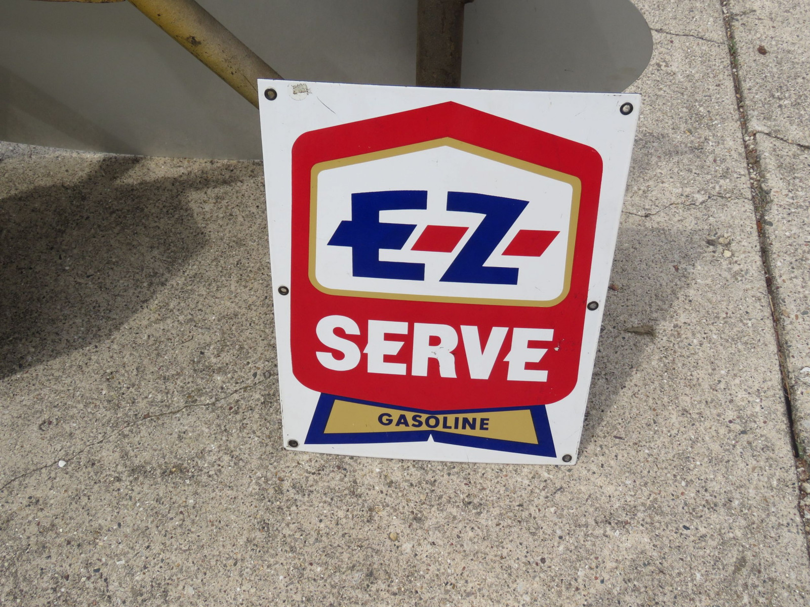 EZ-SERVE Gasoline Porcelain Pump Plate - Image 1
