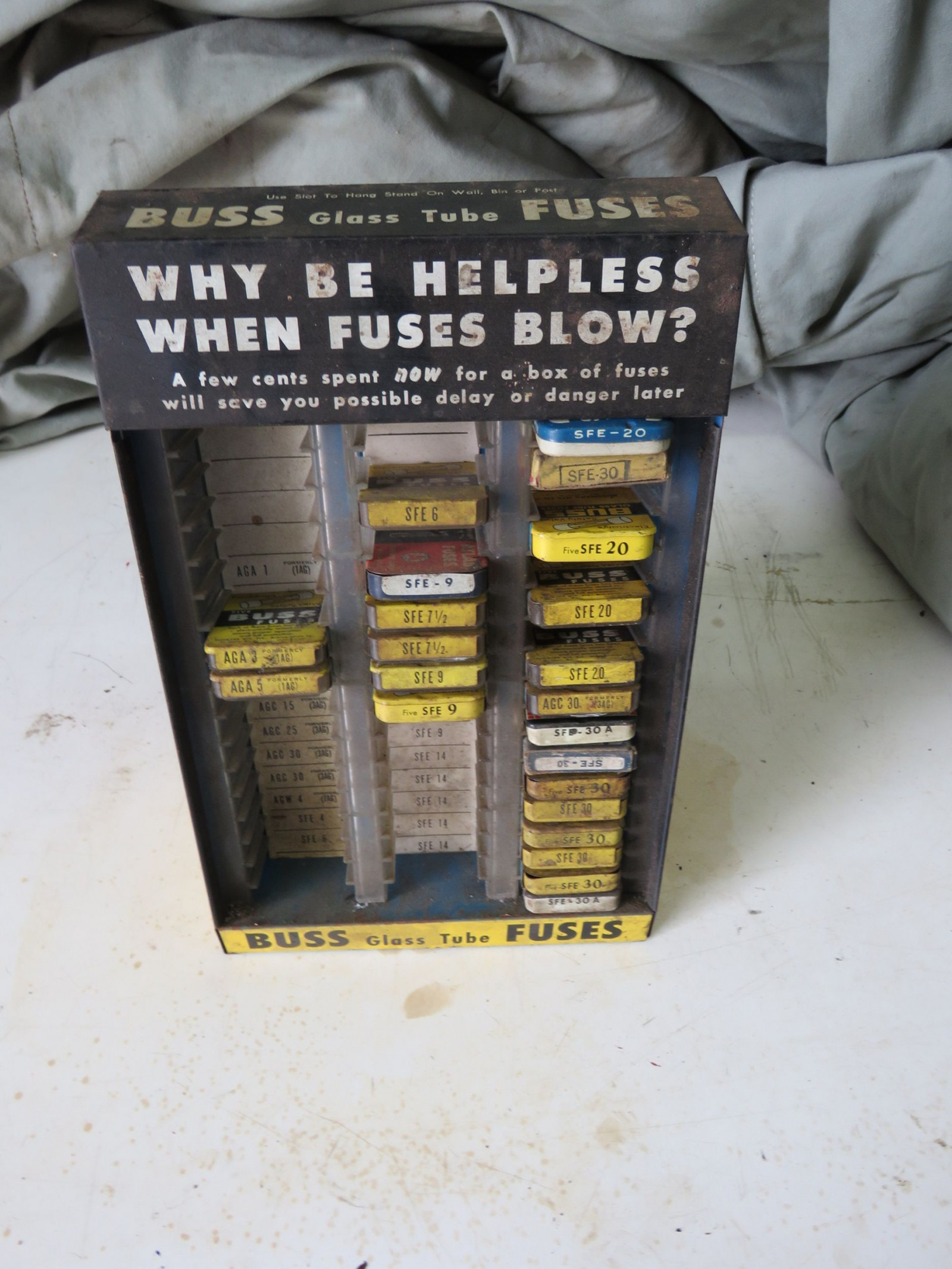 Buss Fuse display - Image 1