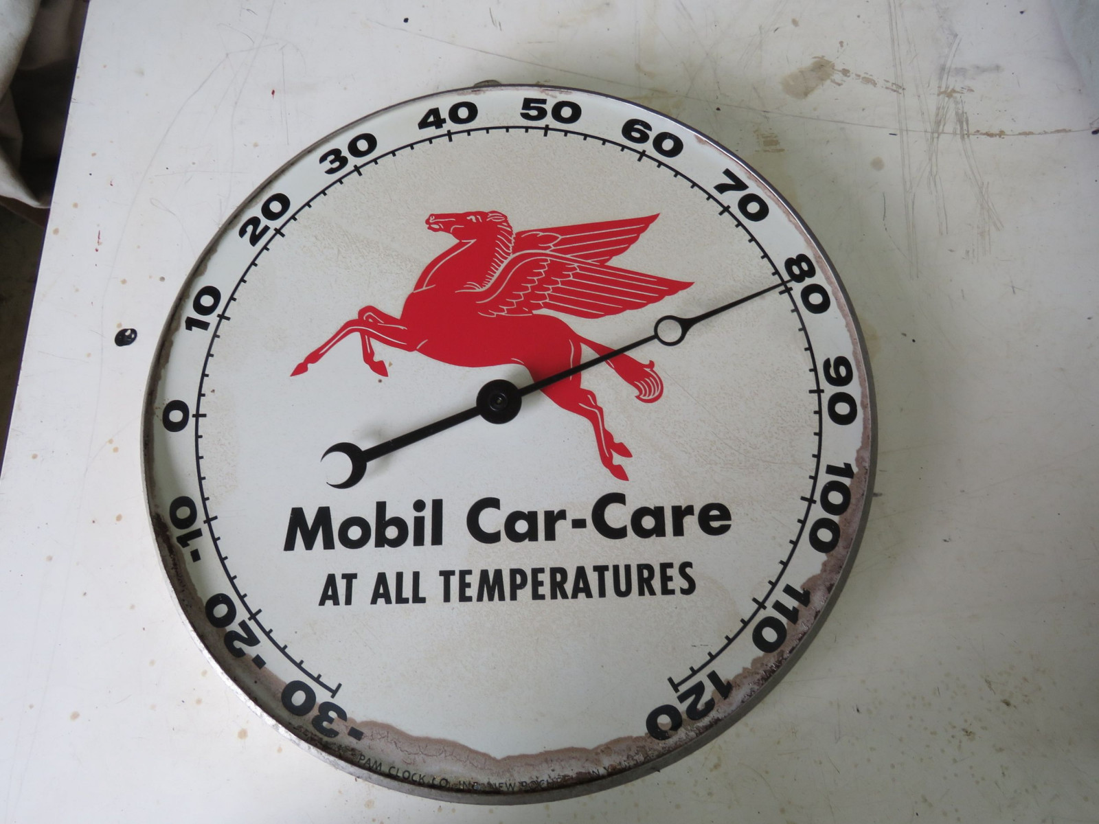 Mobil Car Car Thermometer Painted Tin - Image 1