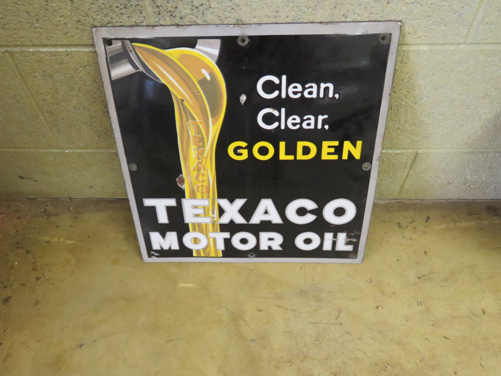Texaco Motor Oil Porcelain Sign - Image 1