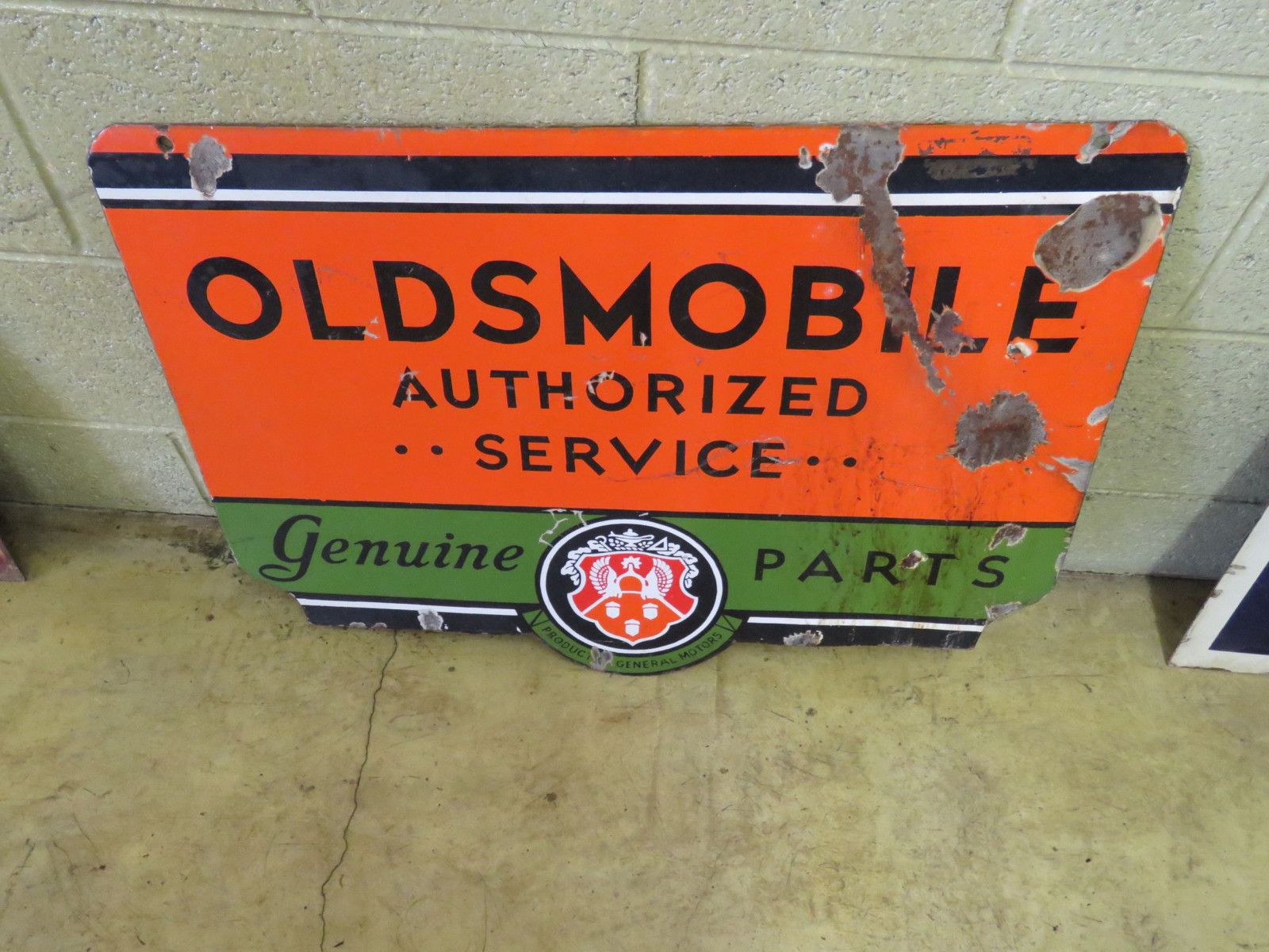 Oldsmobile Service Porcelain Sign - Image 2