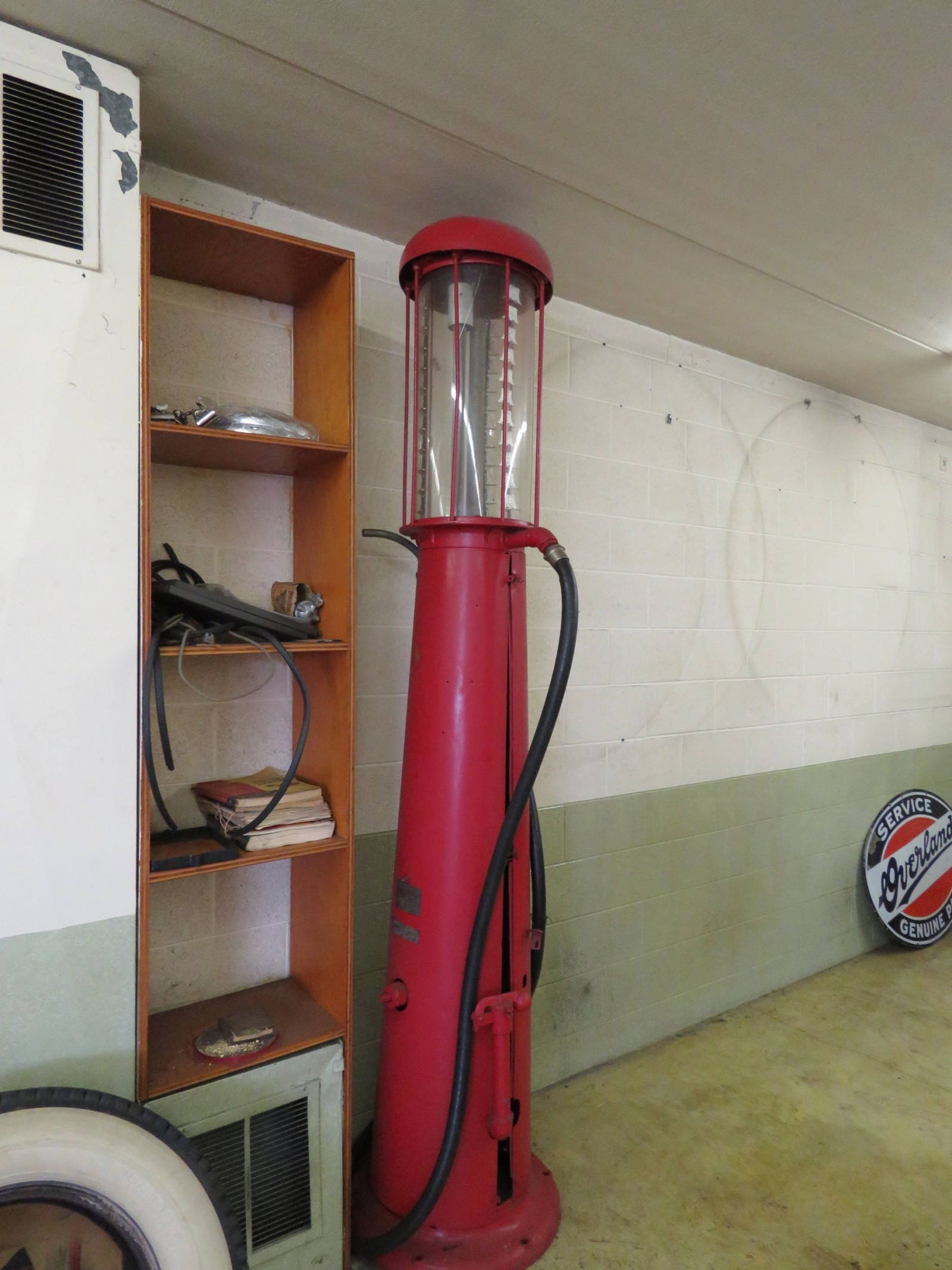Wayne Upright Visible 10 Gallon Gas Pump - Image 1