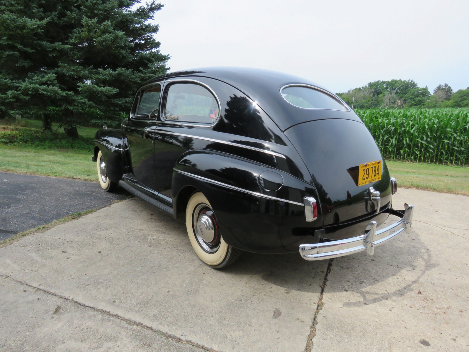 1941 Ford Super Deluxe Tudor Sedan - Image 6