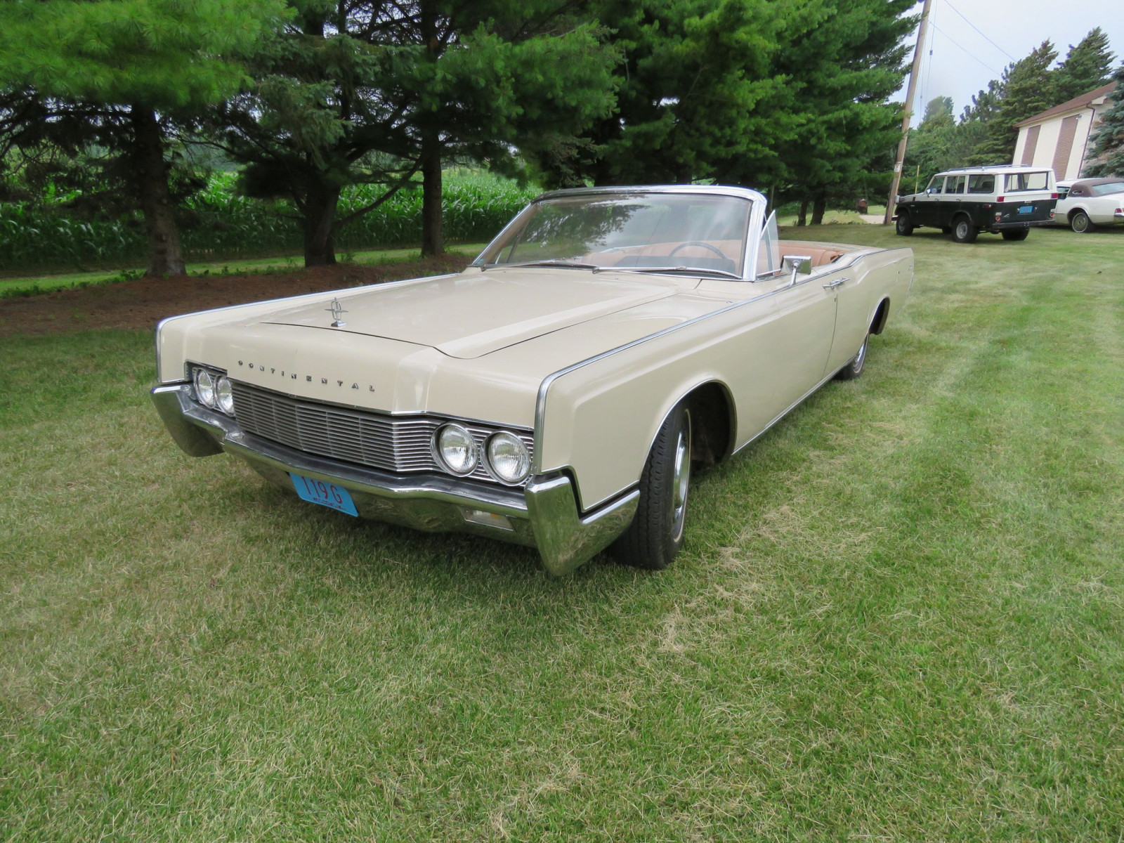 1967 Lincoln Continental 4dr Suicide Convertible - Image 4