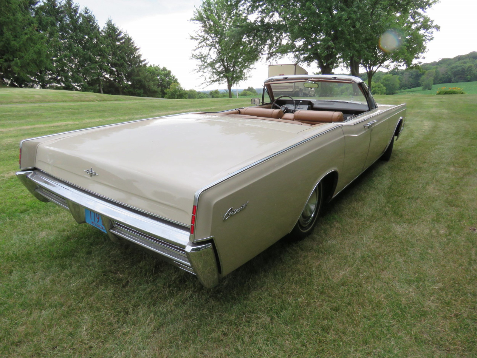 1967 Lincoln Continental 4dr Suicide Convertible - Image 9
