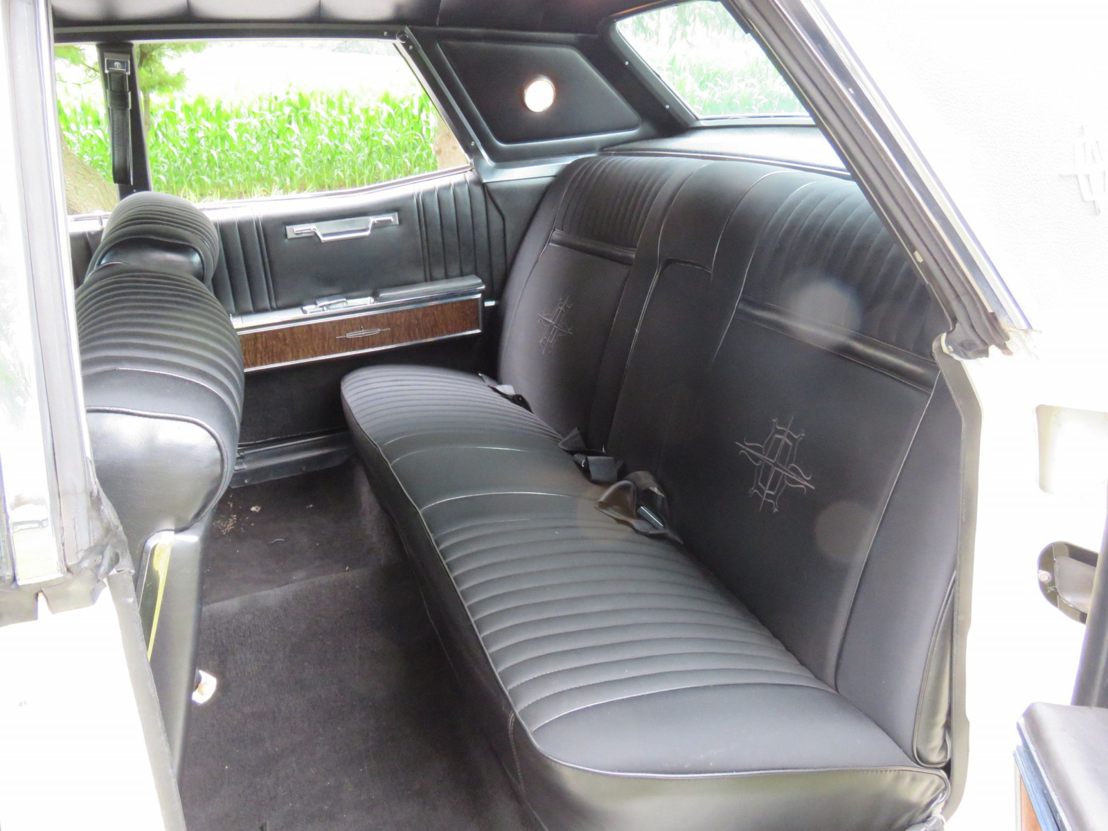 1967 Lincoln Continental 4dr HT Suicide Sedan - Image 10