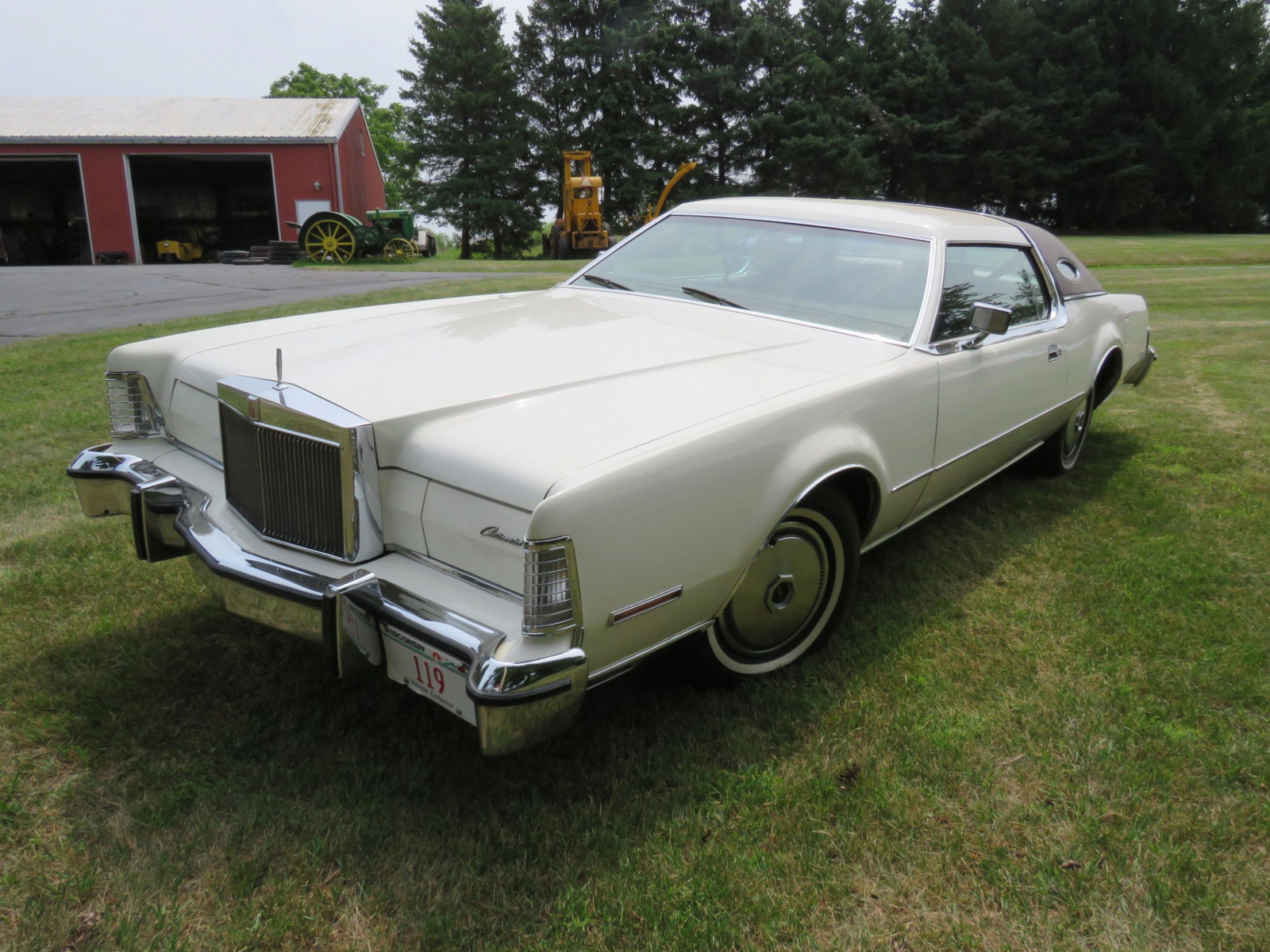 1976 Lincoln Continental Mark VI Coupe - Image 1