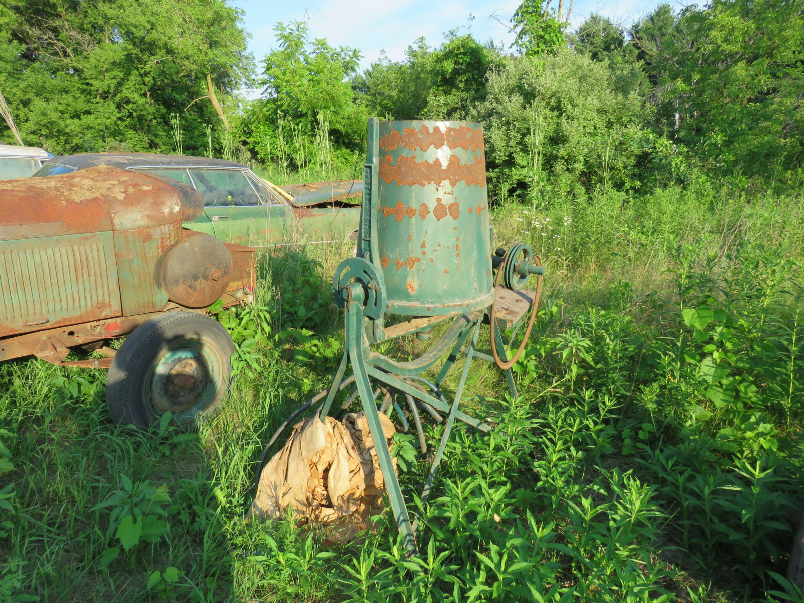 CEMENT MIXER - Image 1