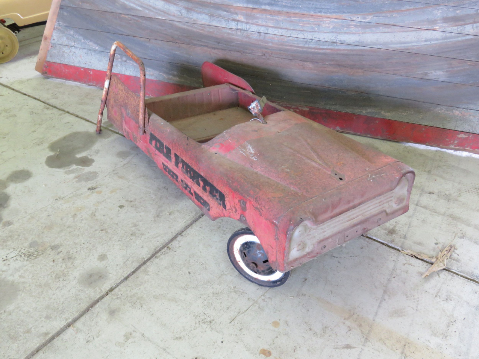 Murray Fire fighter Project Pedal Car - Image 1