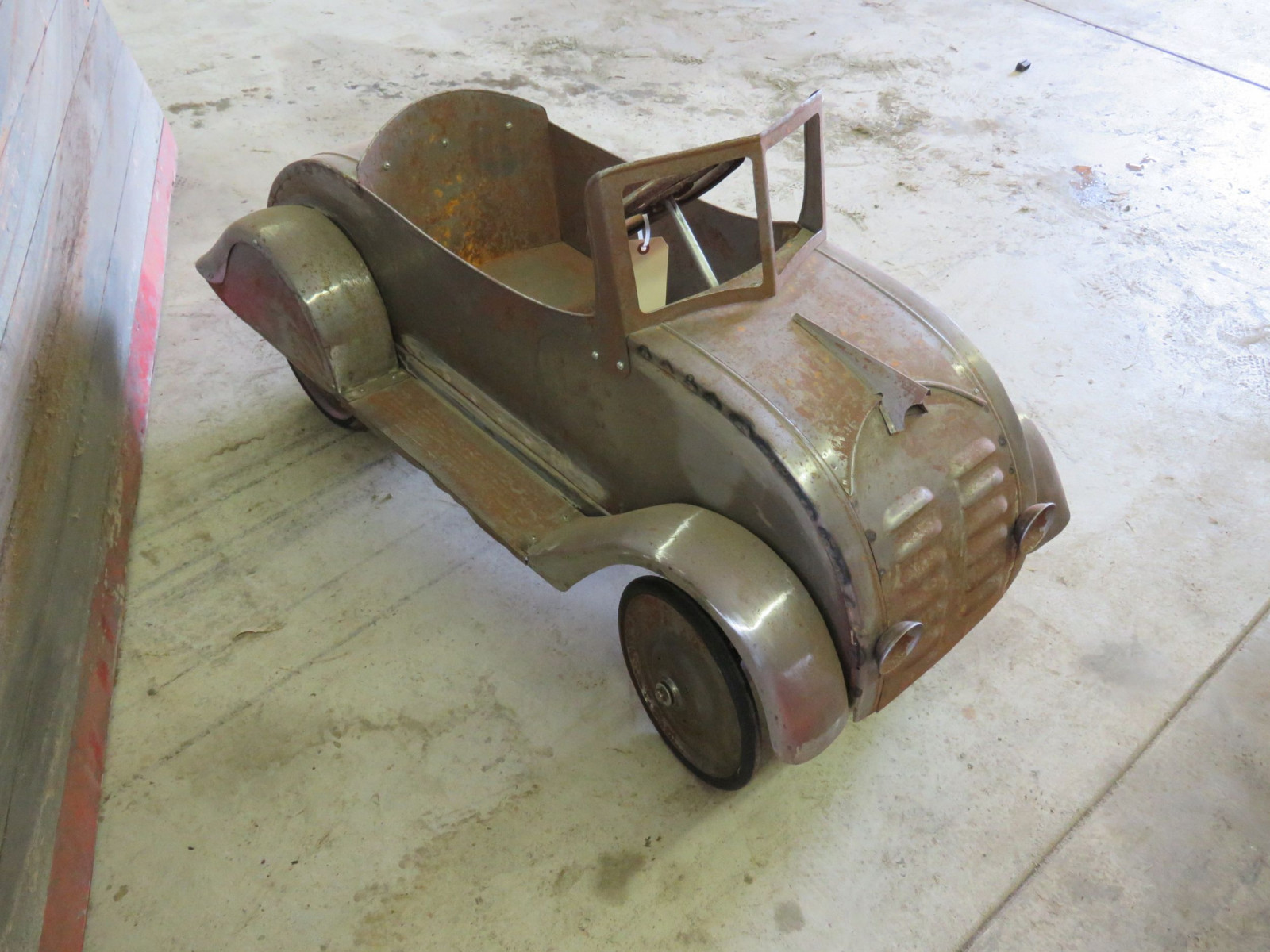Ornate 1930's Garton DeSoto Airflow Pedal Car for Restore - Image 3