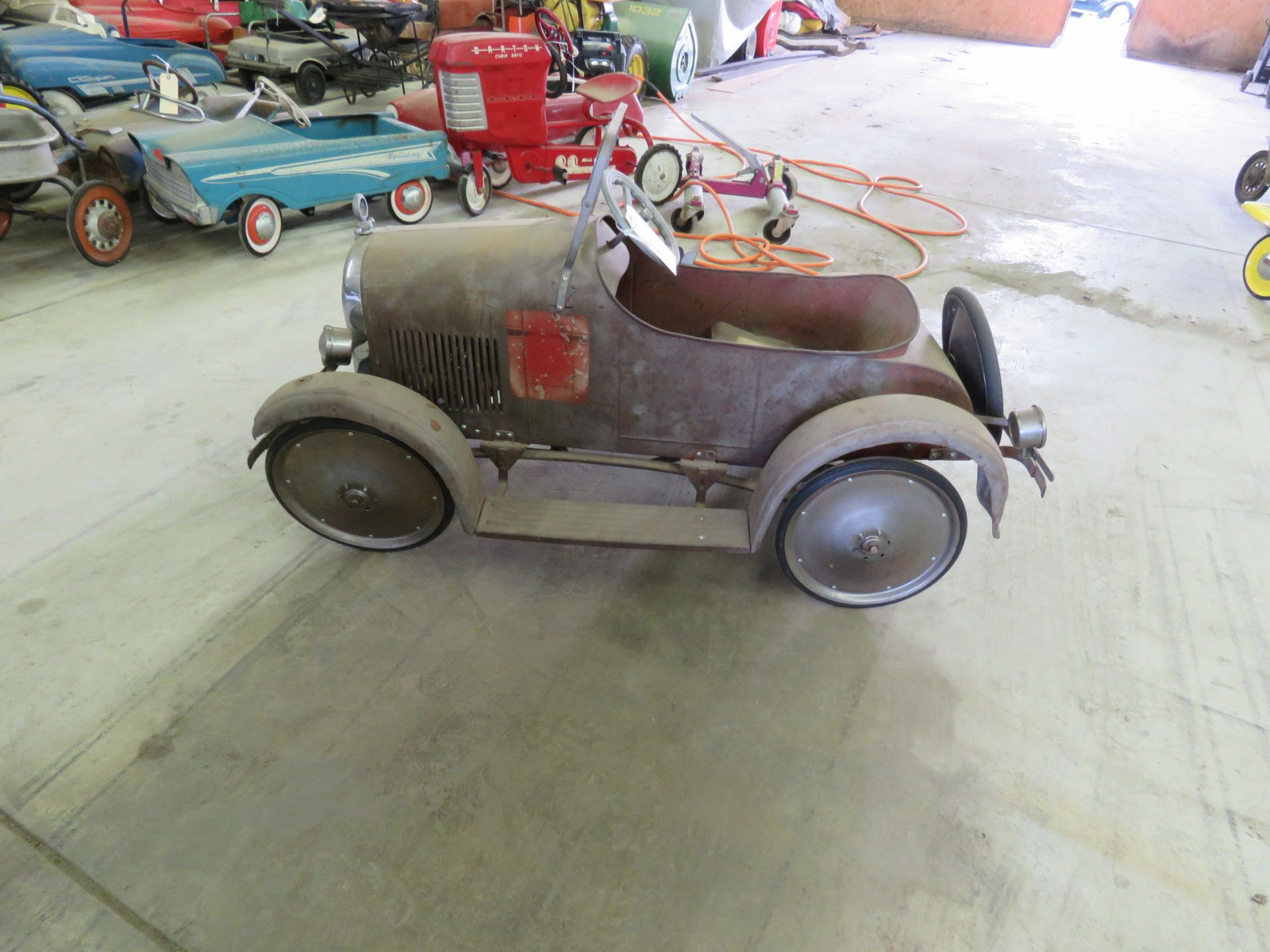 Rare Steel craft Studebaker Pedal Car - Image 4