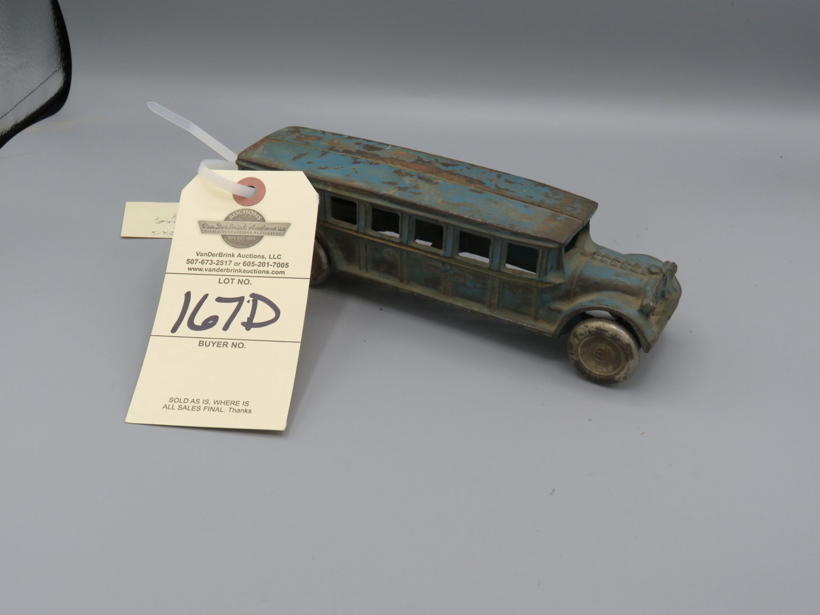 Vintage Cast Iron Bus @1926 Approx.. 10 inches - Image 1