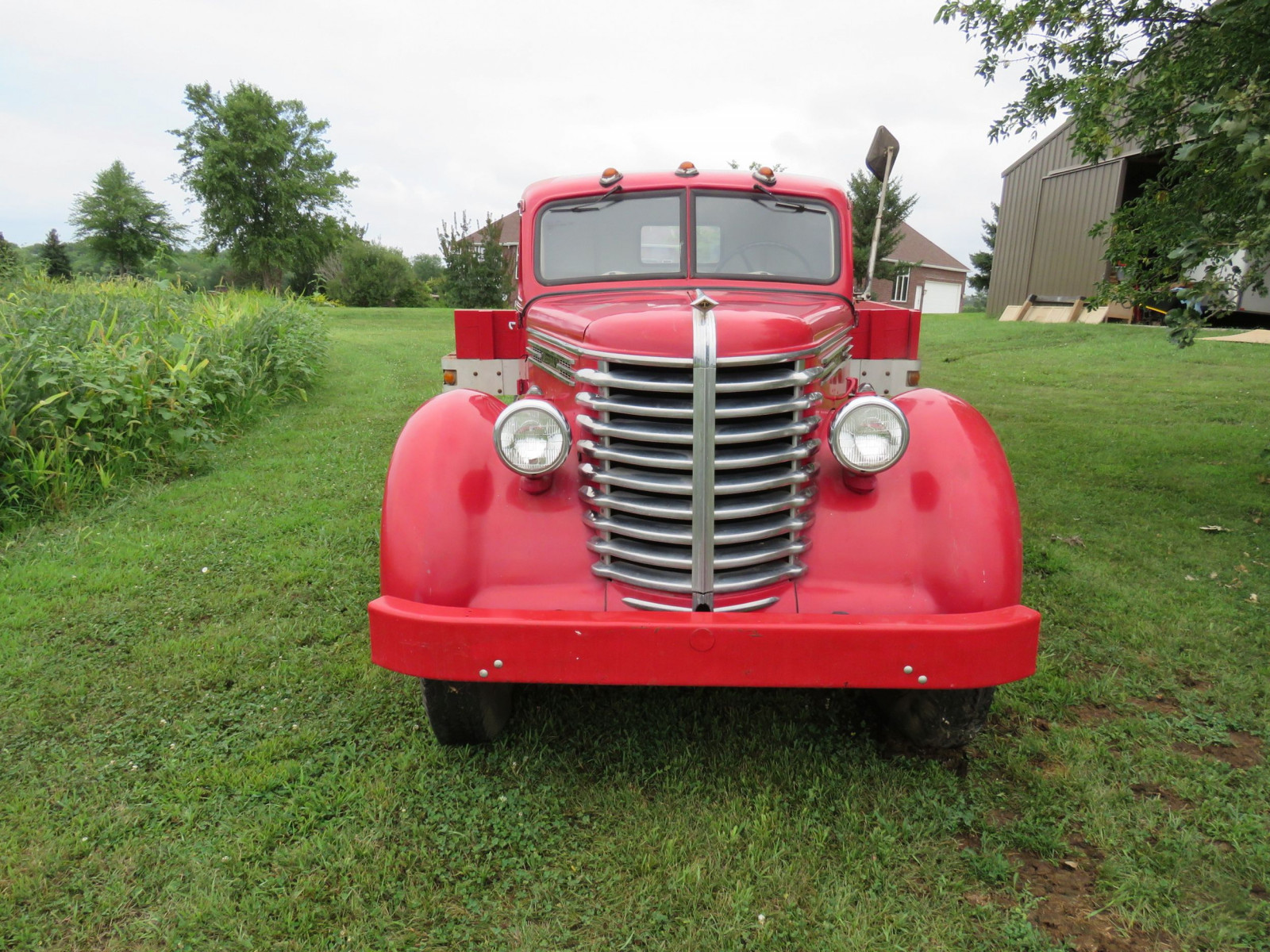 1945 Diamond T Truck - Image 2