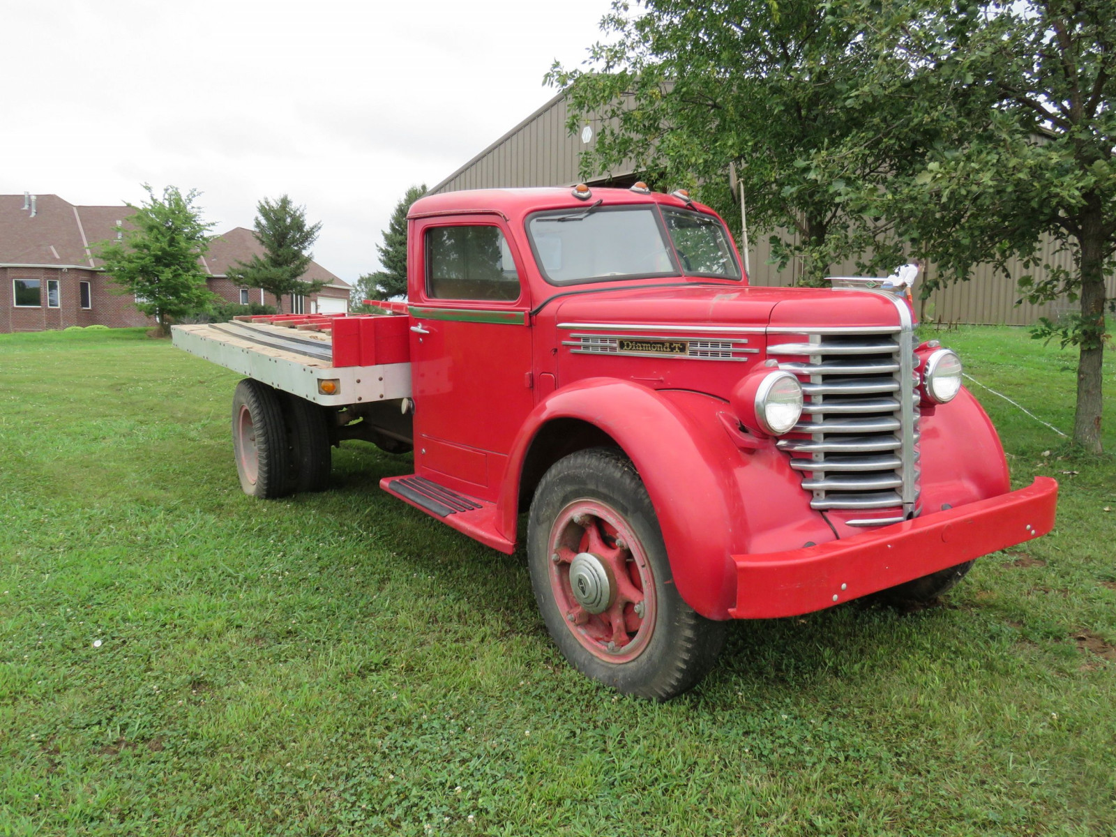 1945 Diamond T Truck - Image 3