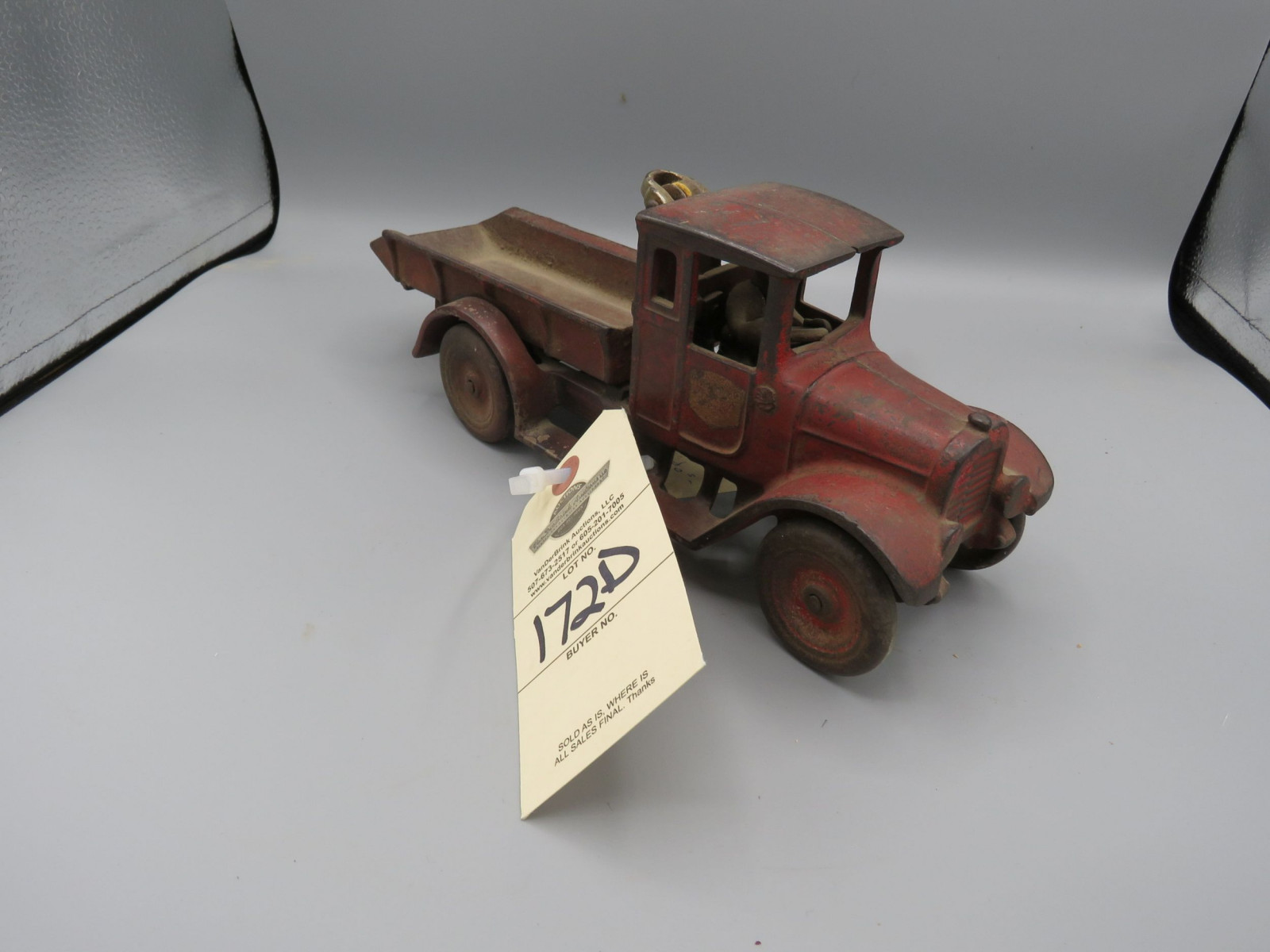 Arcade Cast Iron IH Truck with Man @1922-1930 Approx. 10 inches - Image 1
