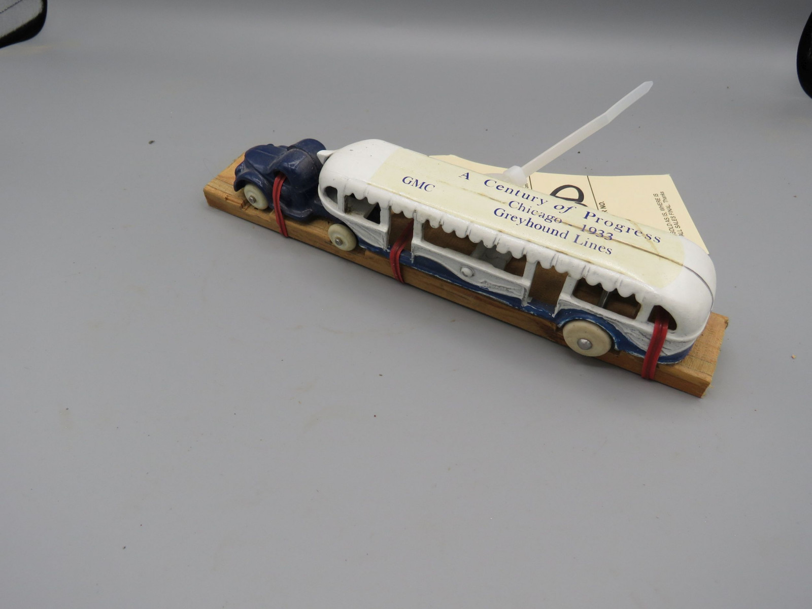 Arcade Cast Iron 1933 Chicago Worlds Fair Greyhound Touring Bus - Image 2