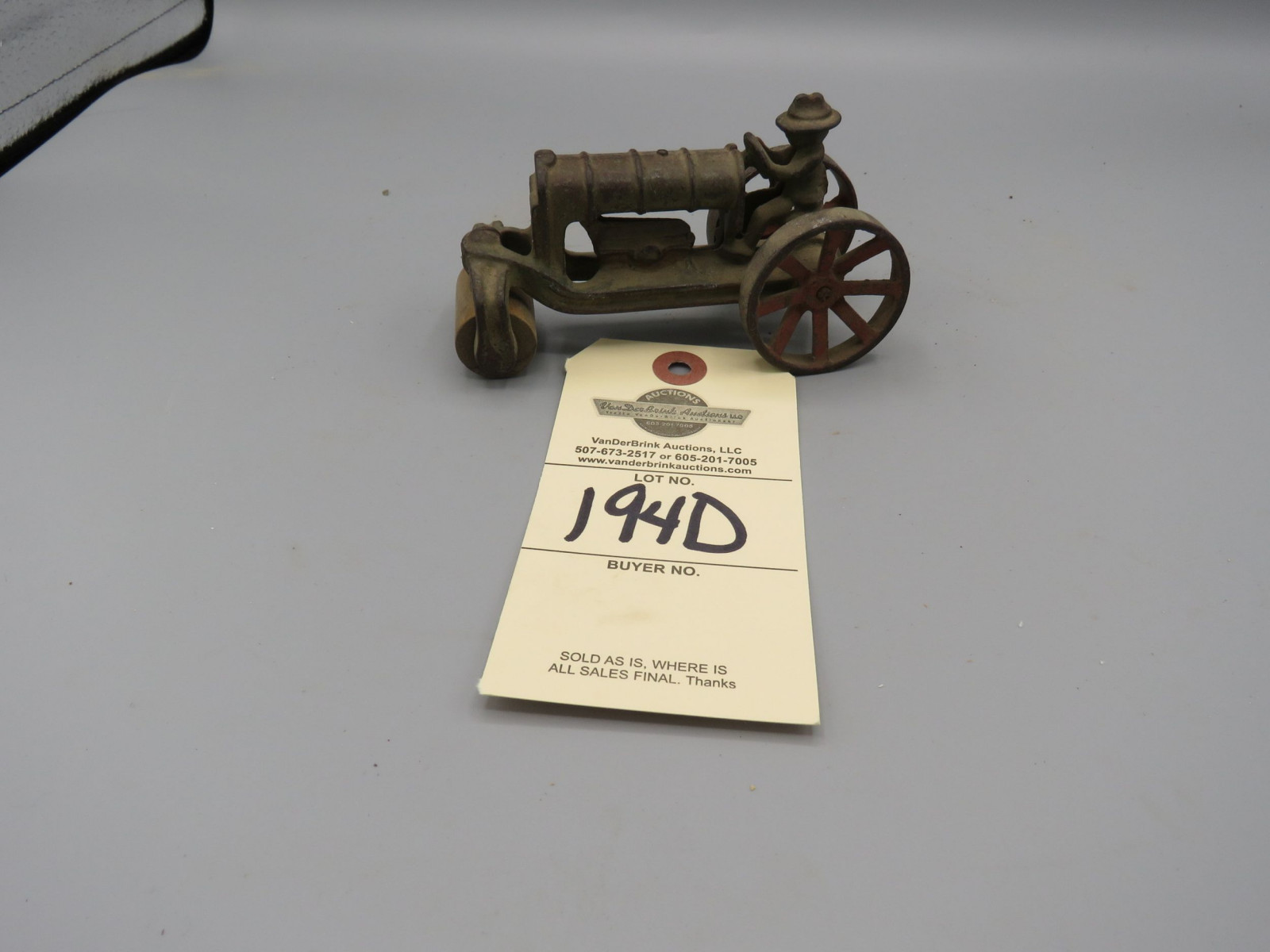 Arcade Dent Cast Iron Fordson Adams Roller -Tractor Approx. 4 inches - Image 1
