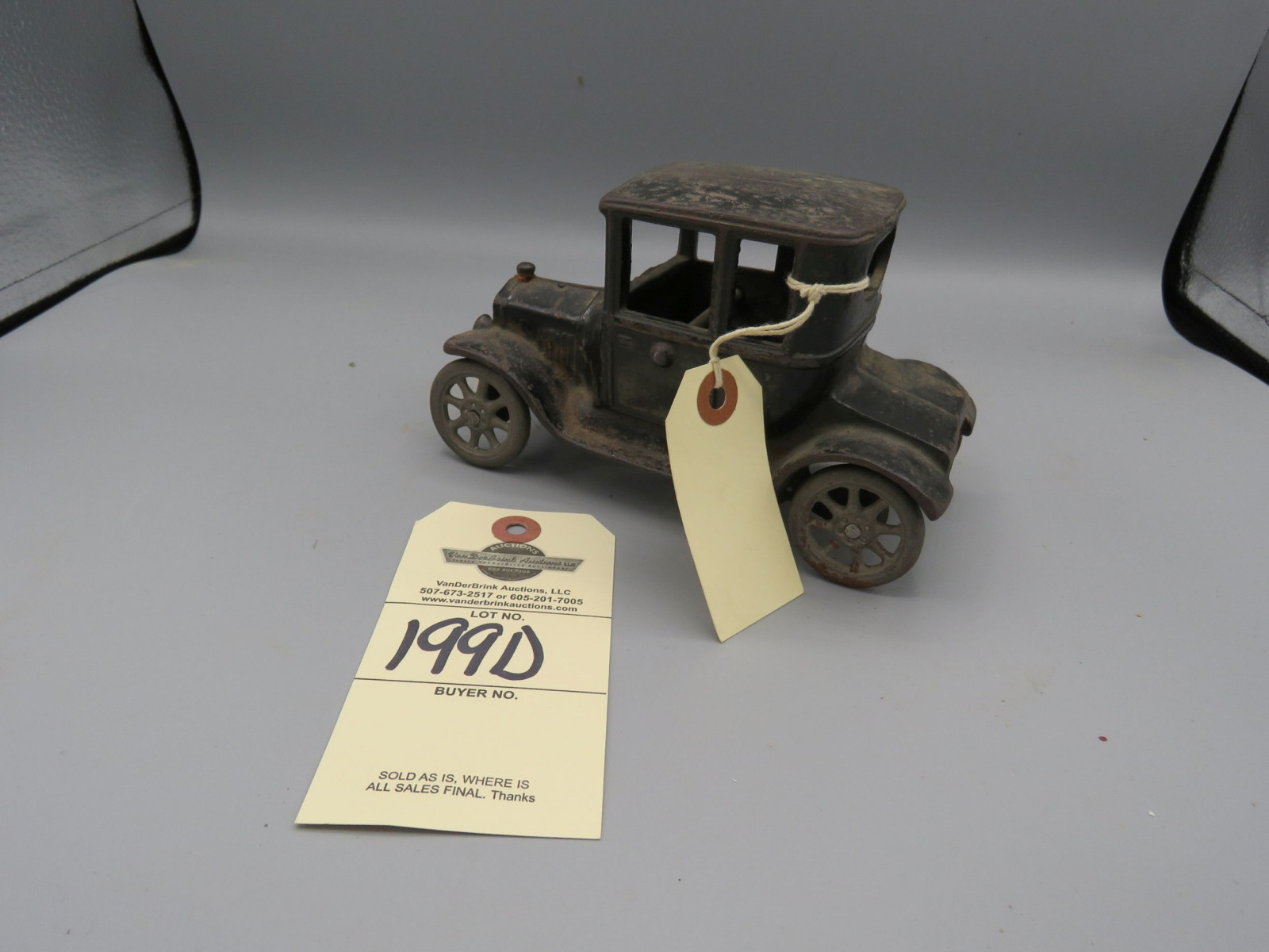 Arcade Cast Iron Ford Model T coupe @1923 Approx. 5 inches - Image 2