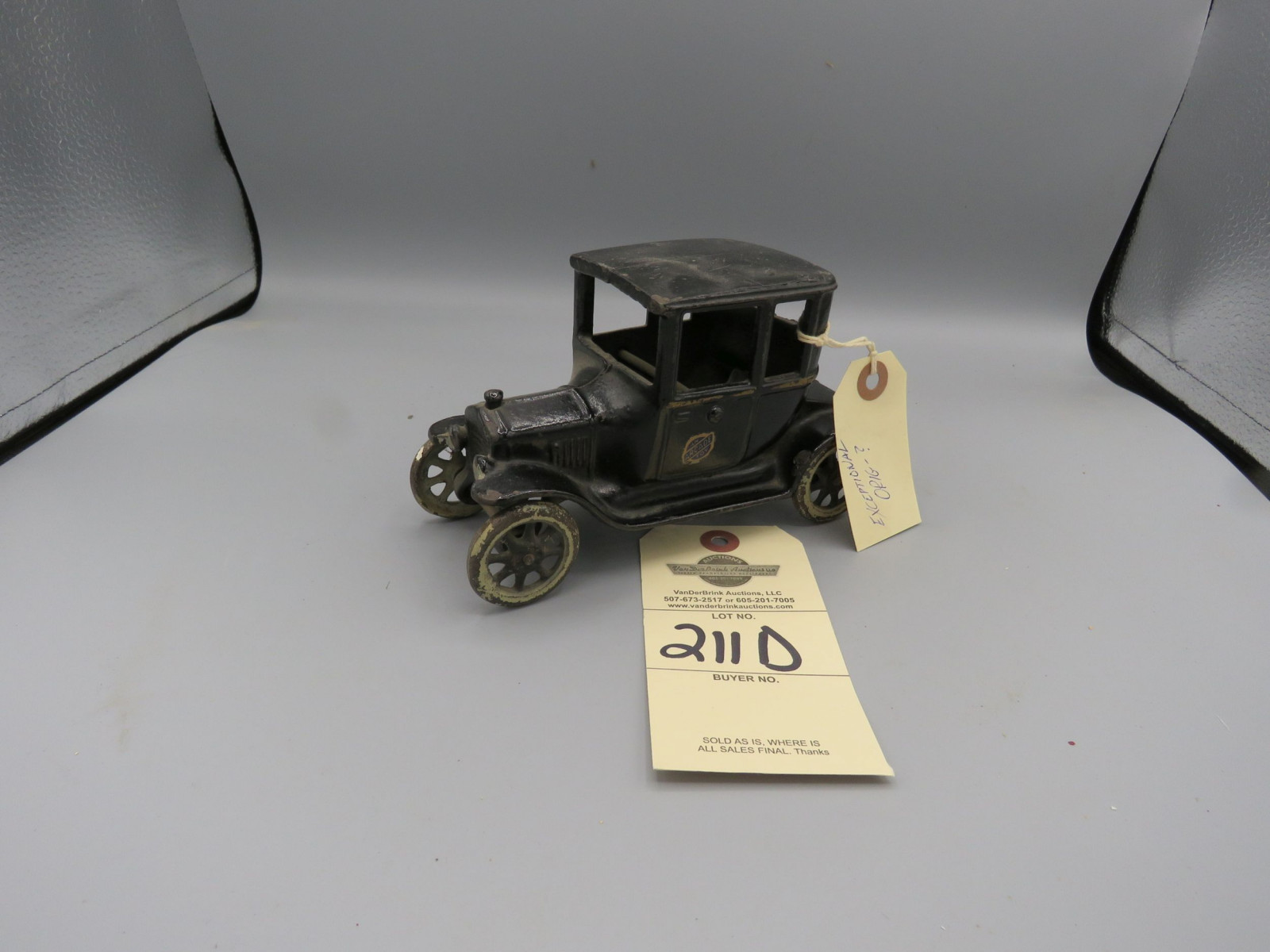 Arcade Cast Iron Ford 1923 T Coupe - Image 1