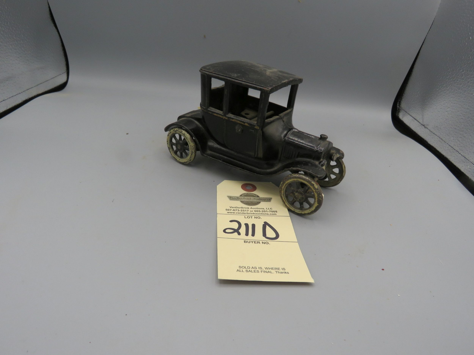Arcade Cast Iron Ford 1923 T Coupe - Image 2