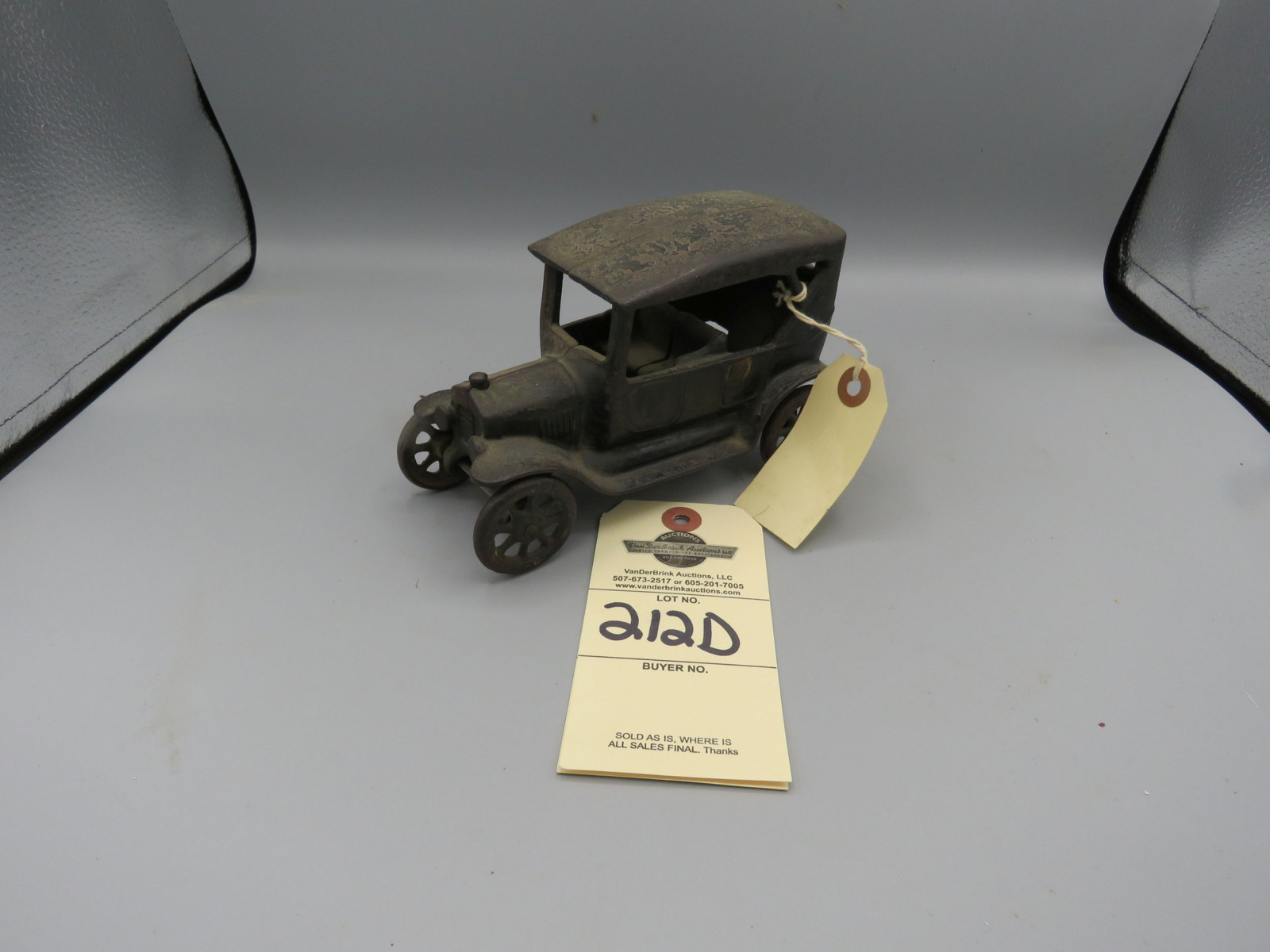 Arcade Cast Iron Ford Coupe - Image 1