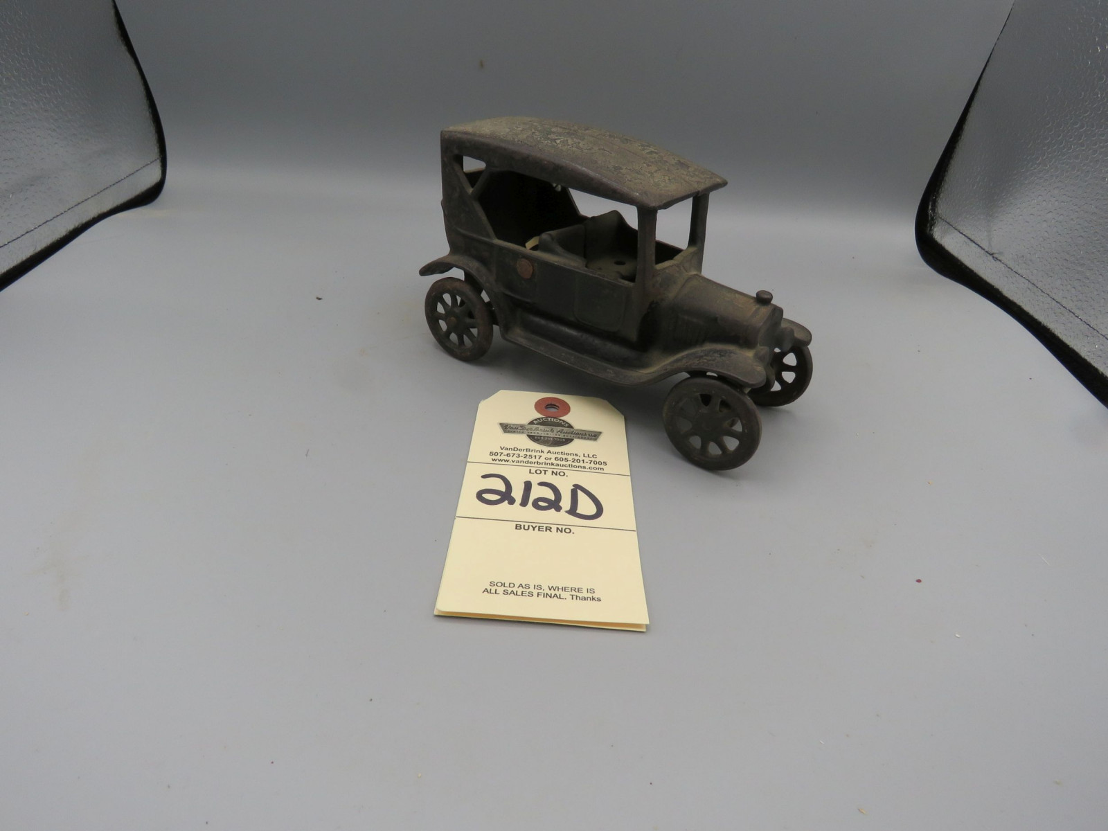 Arcade Cast Iron Ford Coupe - Image 2