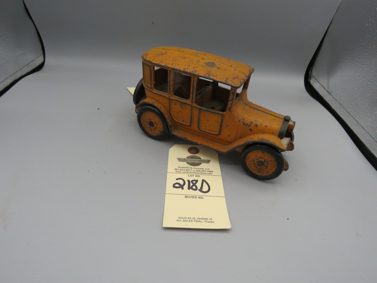 Arcade Cast iron Sedan @1923 Approx. 6 inches - Image 2
