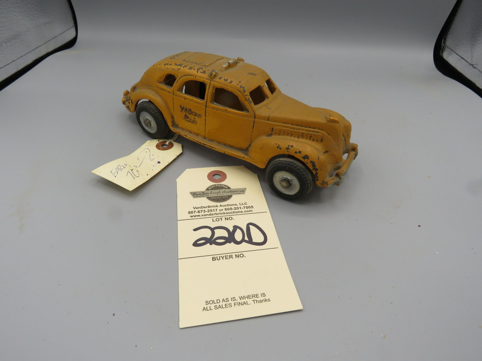 Vintage Cast Iron Early Taxi Cab - Image 1