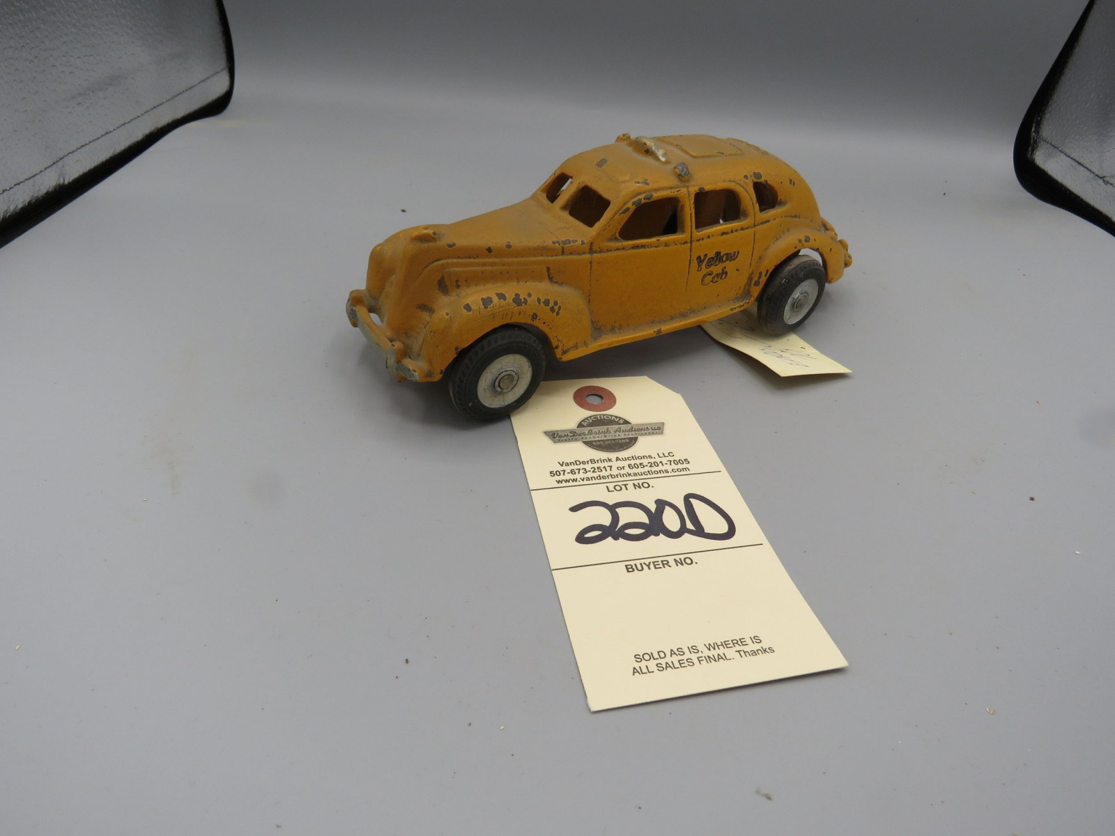 Vintage Cast Iron Early Taxi Cab - Image 2